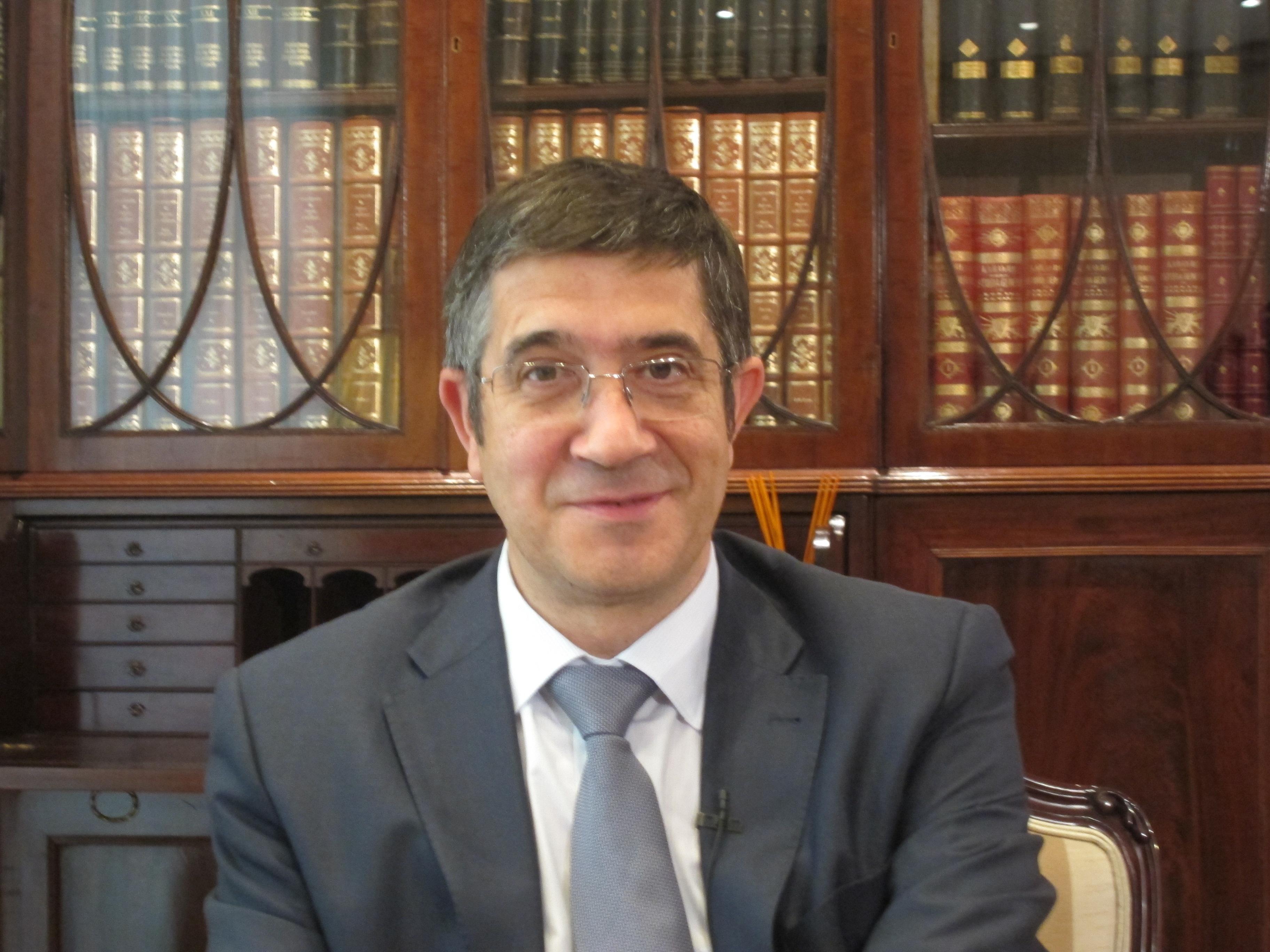 Patxi López (PSE-EE): «La evolución lógica del estado de las autonomías es el avance hacia un estado federal»