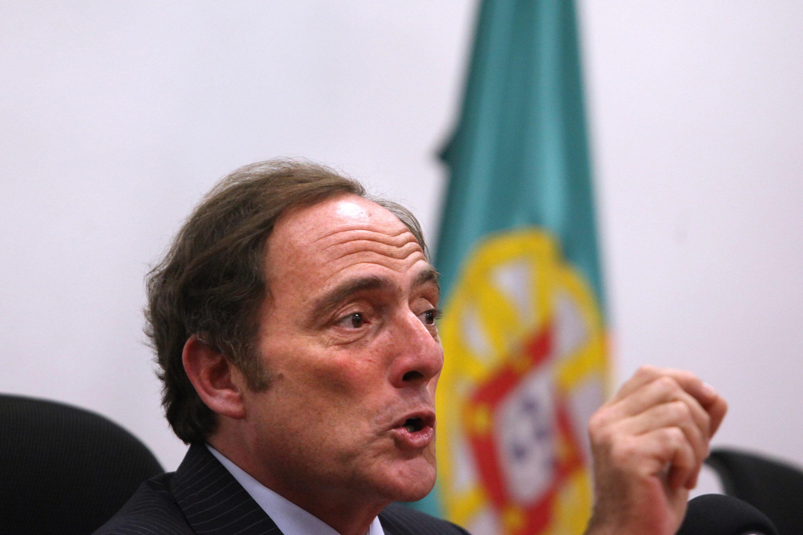 Portugal pide disculpas a Bolivia por no dejar aterrizar el avión de Morales