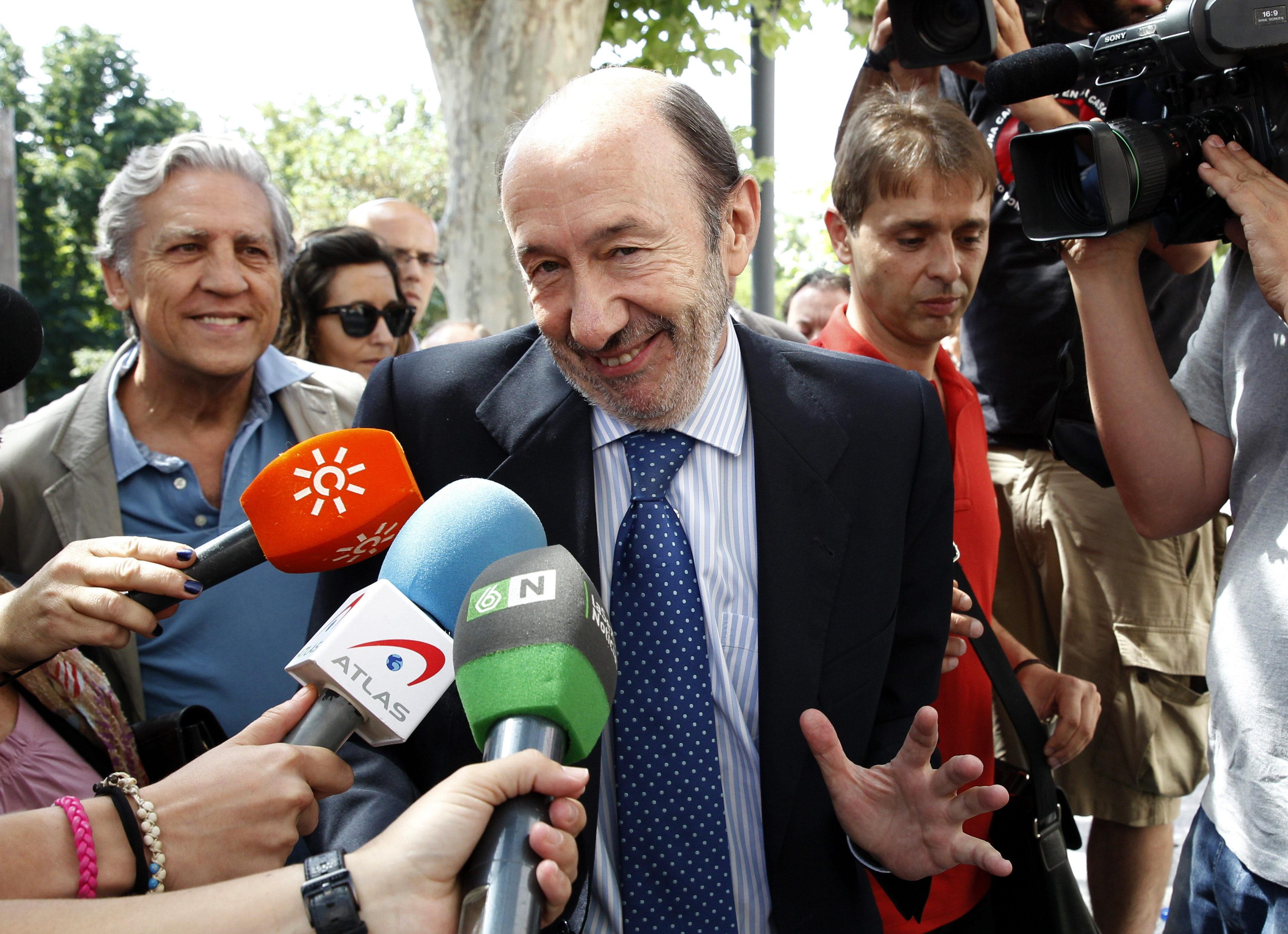 Rubalcaba se remite a las explicaciones del PSC tras ser imputada su gerente