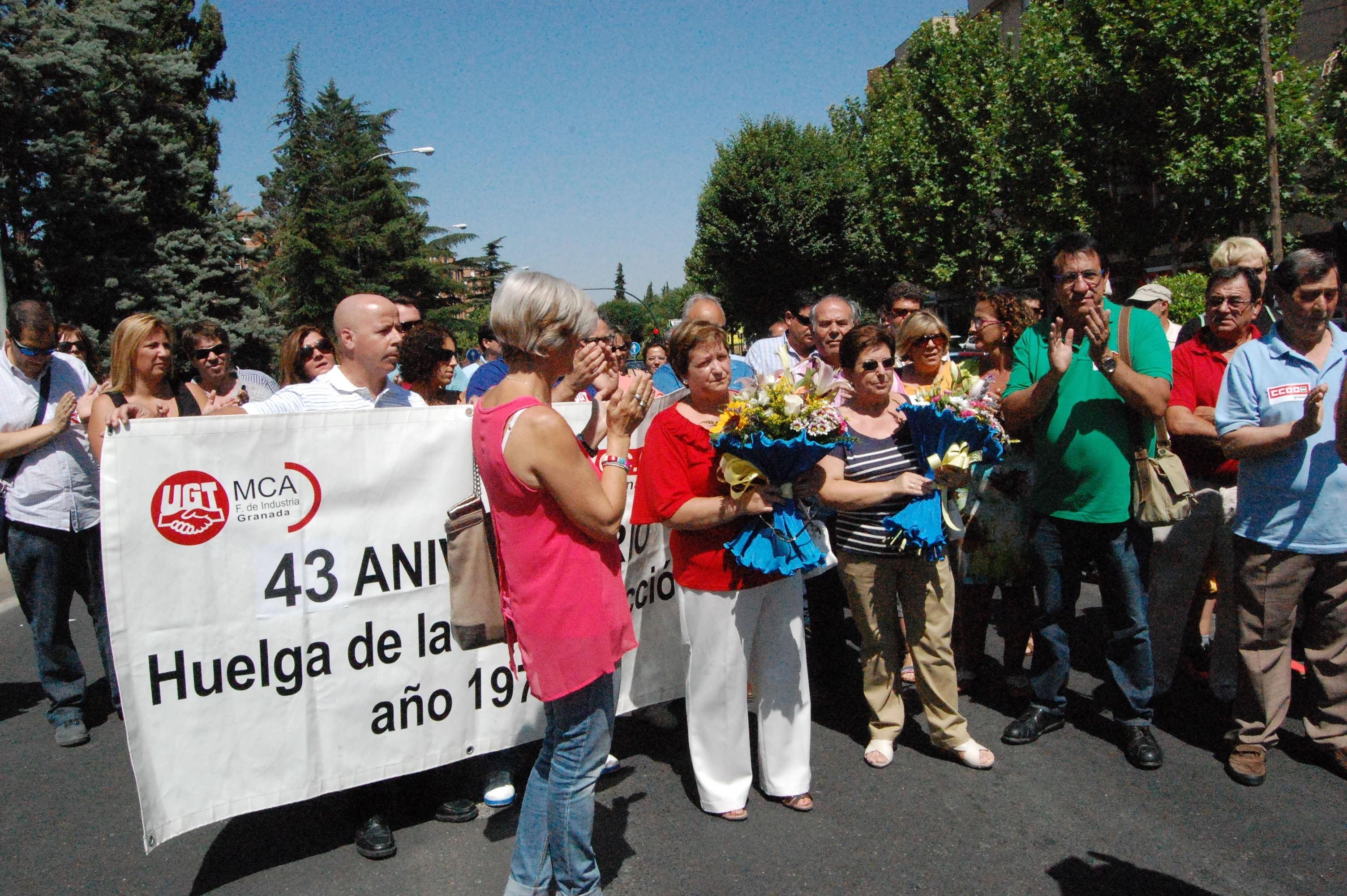 Sindicatos rinden homenaje a los tres obreros fallecidos en la huelga de la construcción de 1970