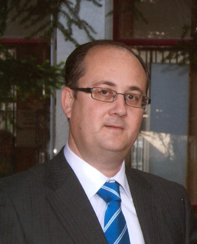 El profesor de la UPO Fernando Morales, elegido como uno de »Los 100 mejores financieros» de España