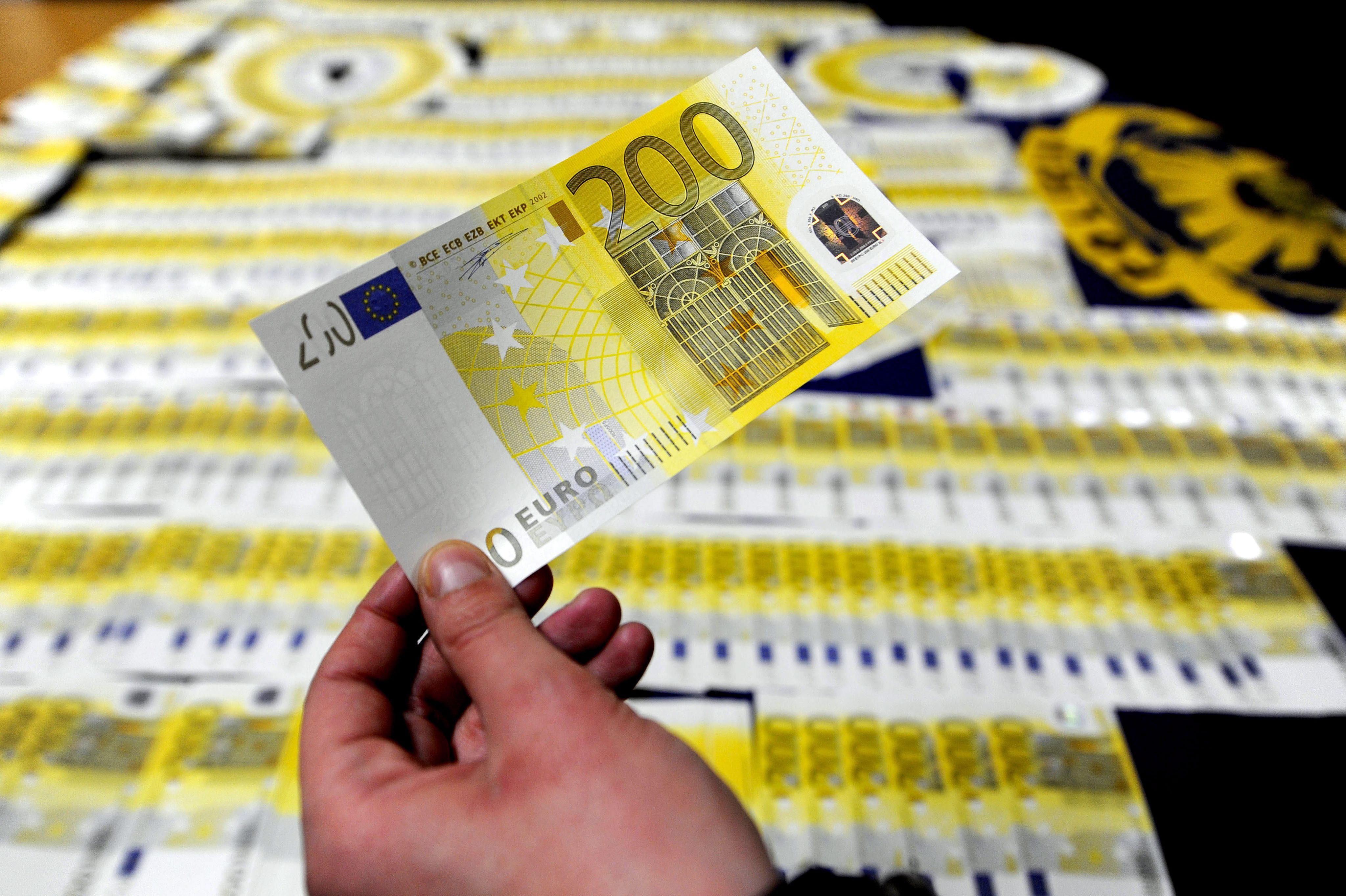Los billetes falsos en Portugal crecen un 43 por ciento en el primer semestre de 2013
