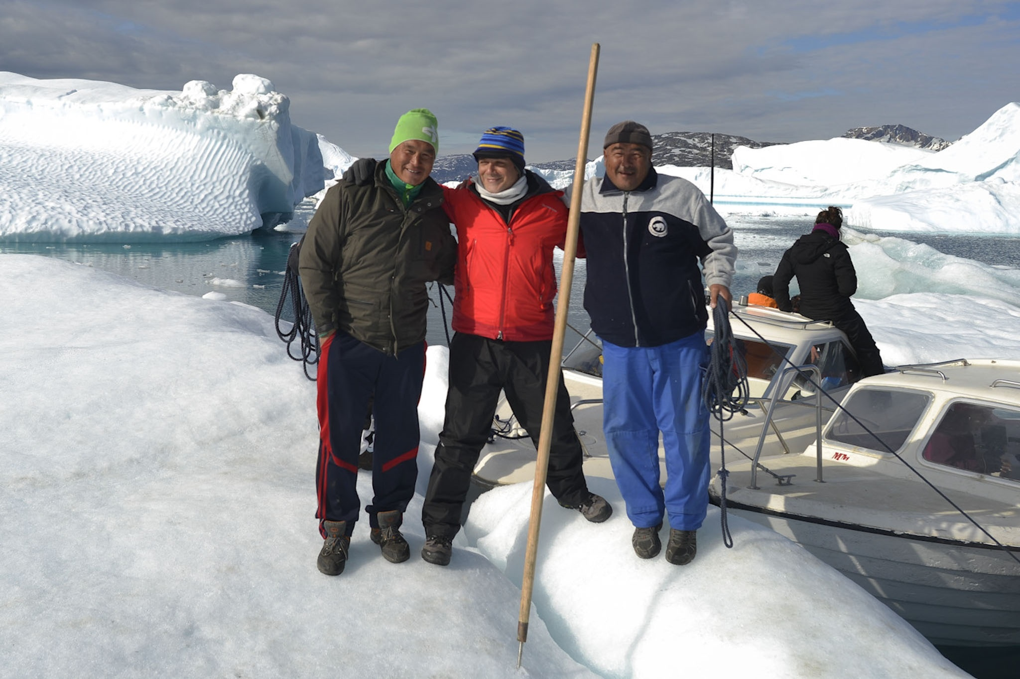 La expedición de Greenpeace, en la que viaja Alejandro Sanz, intentará alcanzar hoy el casquete polar ártico