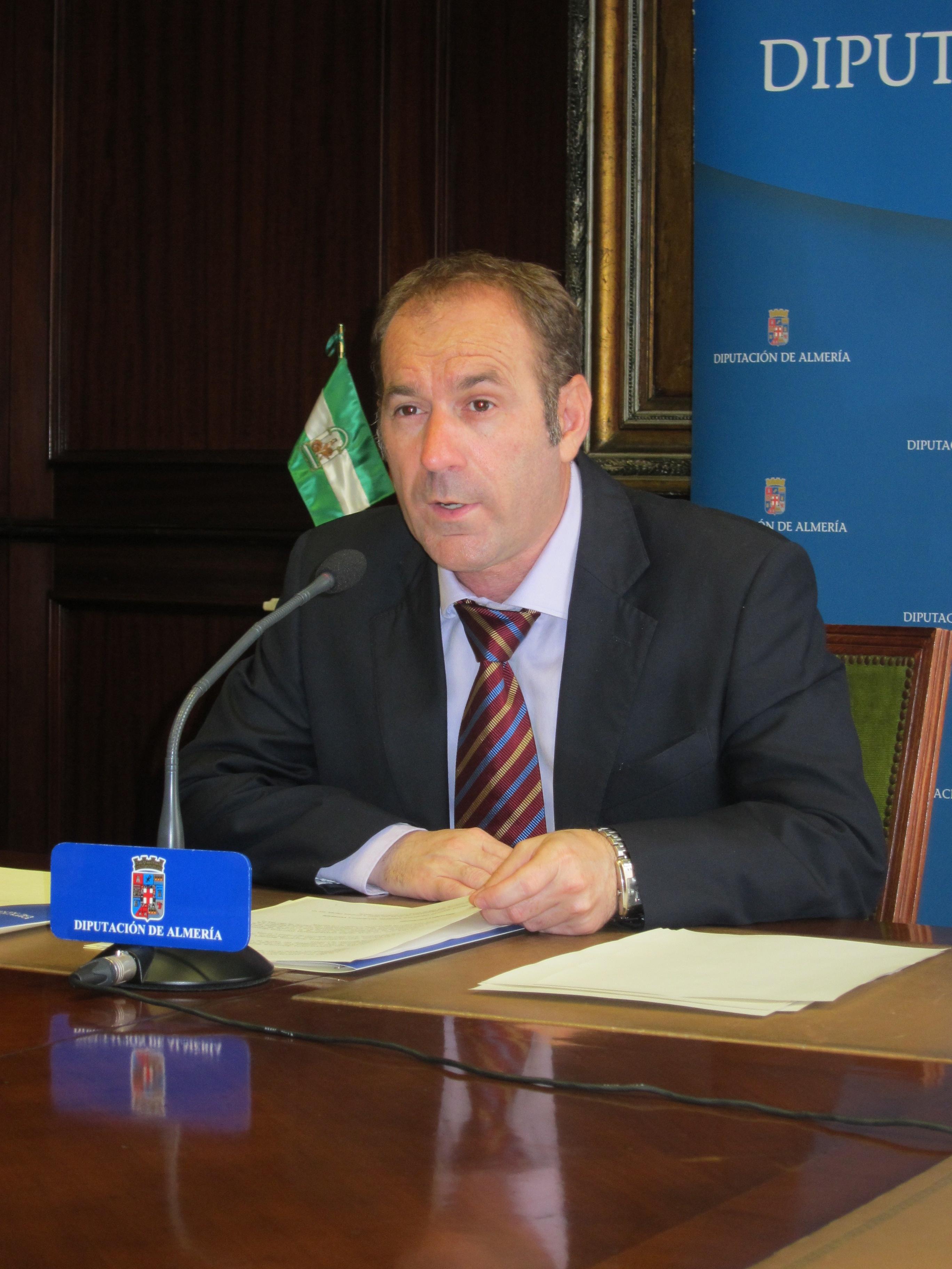 El exvicepresidente de la Diputación pide la «suspensión de militancia» por el caso »Facturas»