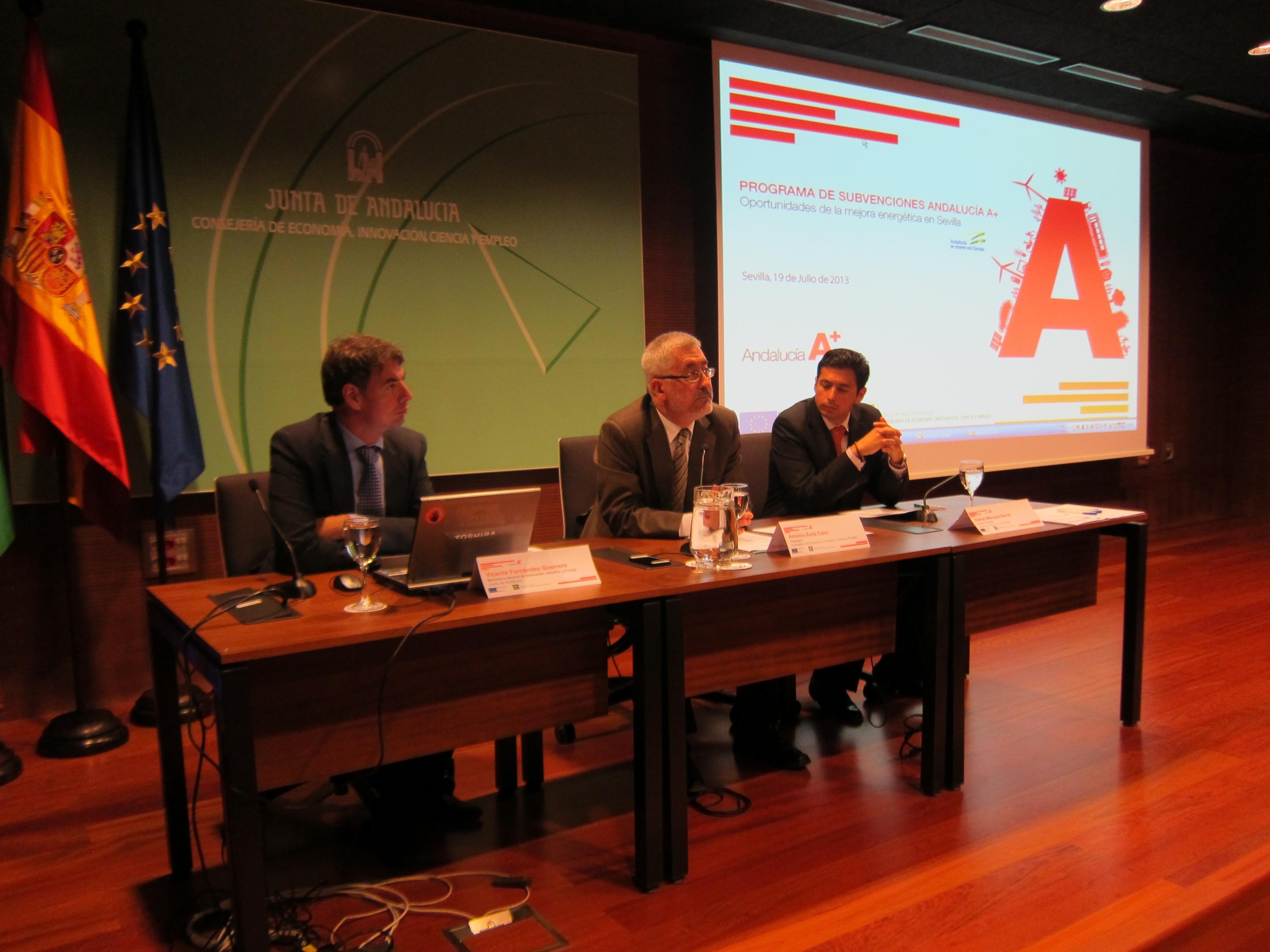 Un tercio de cada kilovatio de electricidad que se consume en Andalucía procede de fuentes renovables
