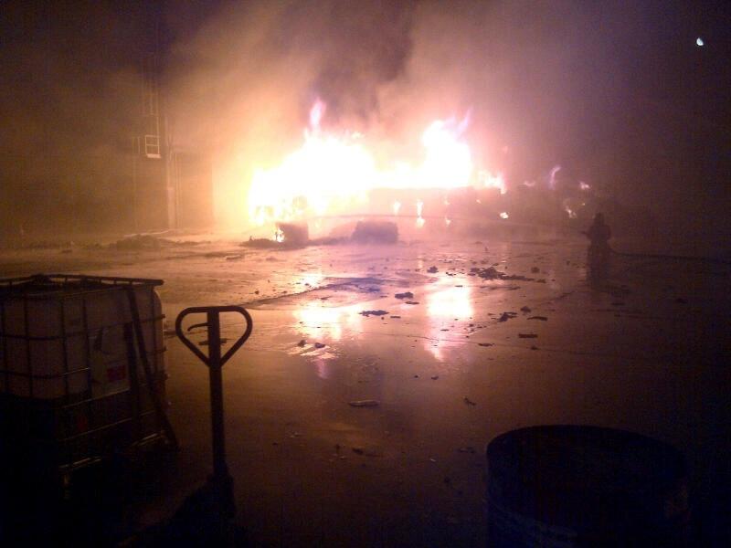 El Ayuntamiento de A Coruña cifra en unos 600.000 euros los daños registrados esta noche por la huelga de basuras