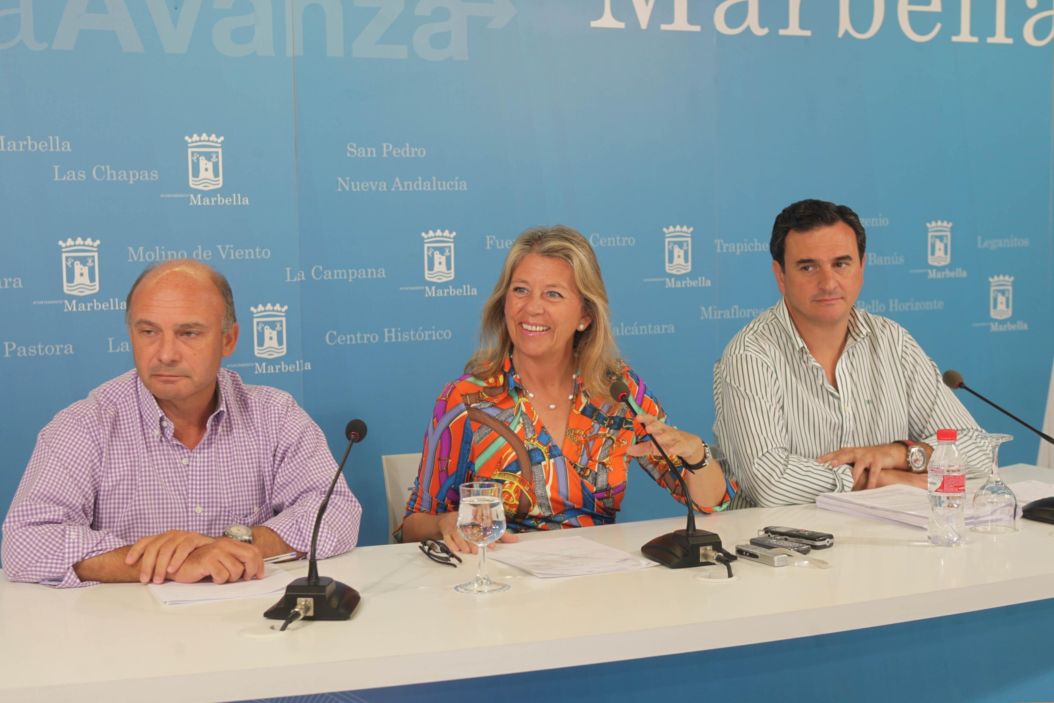 El Ayuntamiento de Marbella subvencionará con 300.000 euros el transporte escolar y universitario