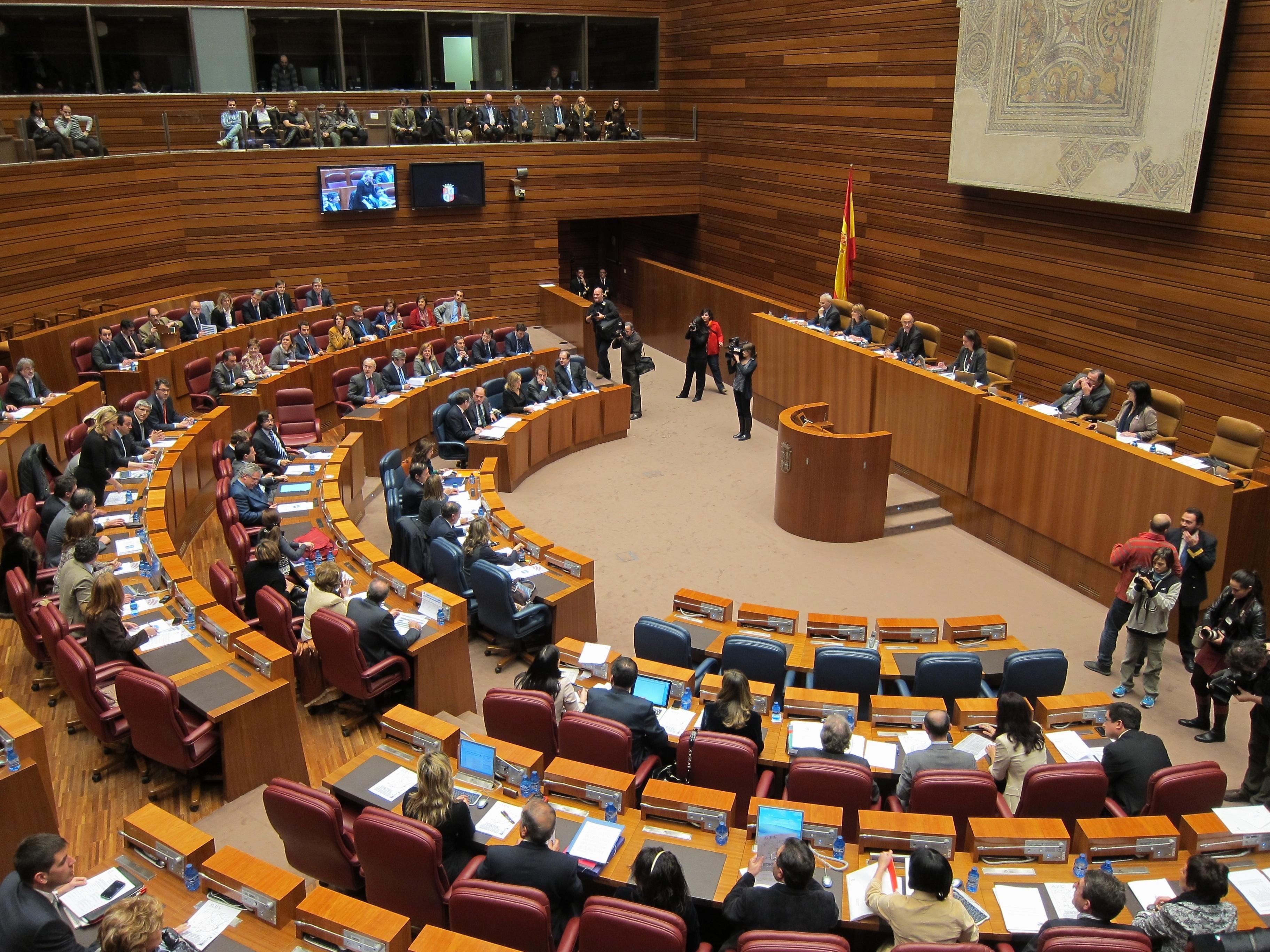 Las Cortes convalidarán mañana el techo de gasto para 2014 y las 22 nuevas medidas urgentes en materia de vivienda