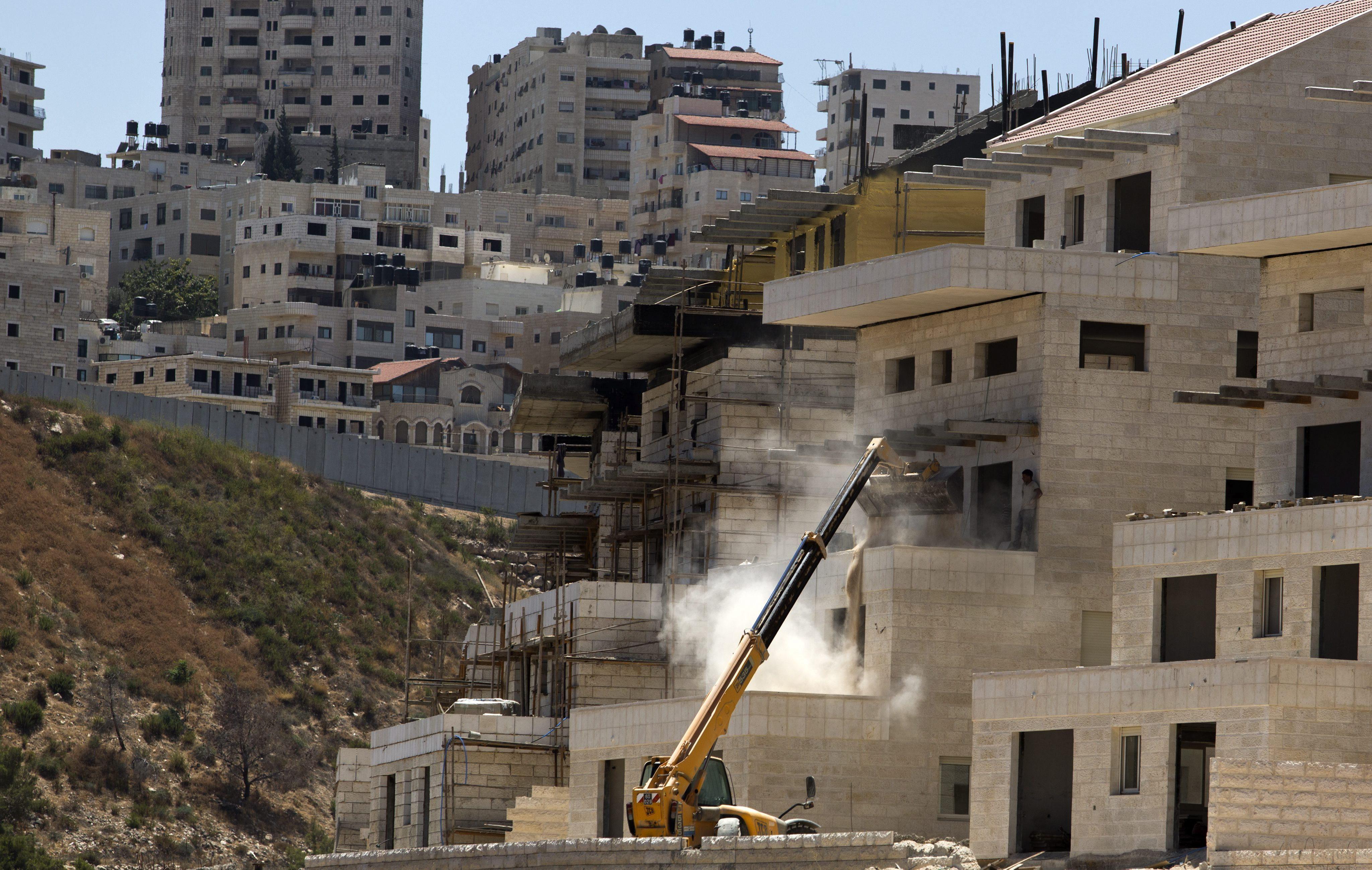 Israel construirá más colonias durante el proceso de paz, según un ministro