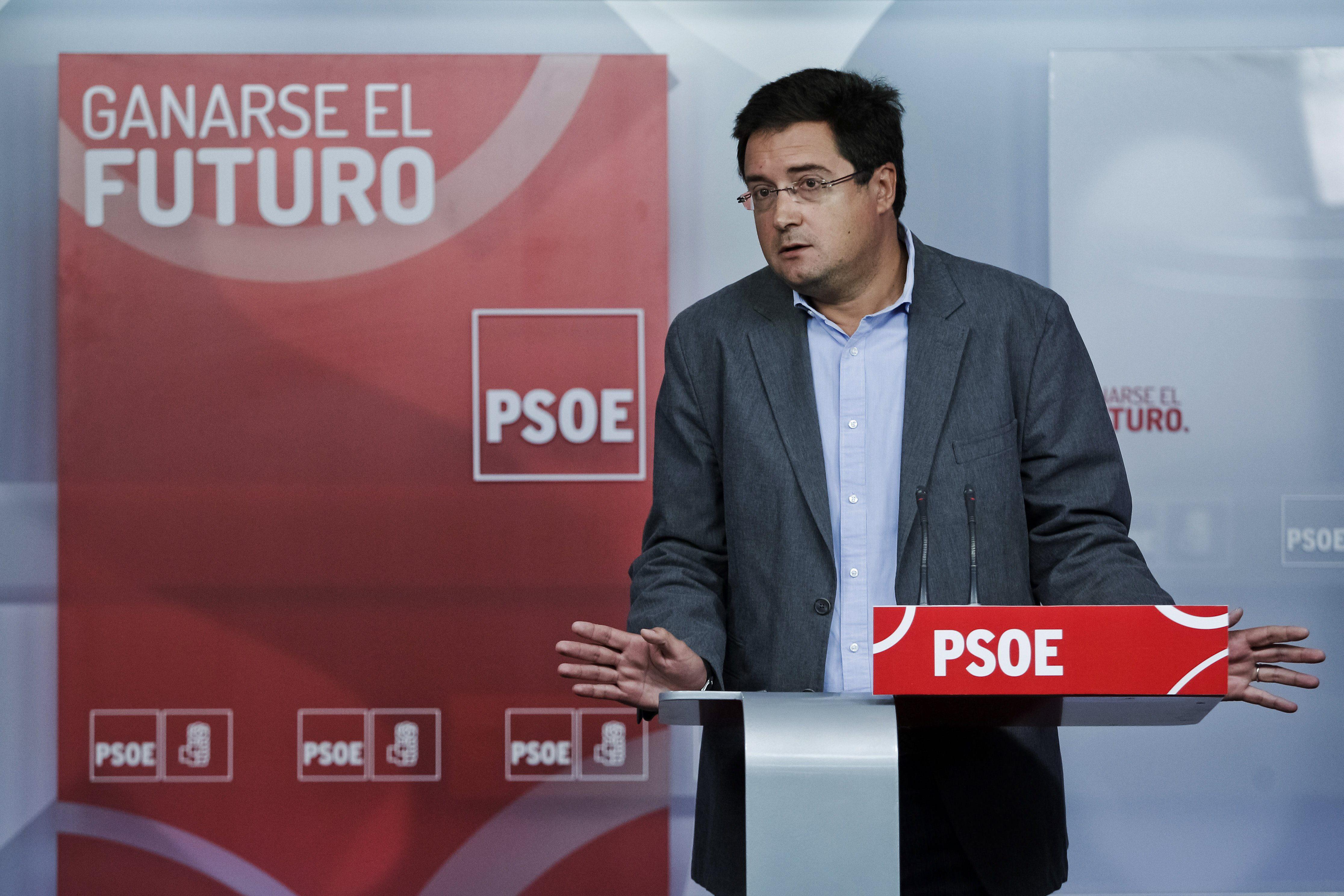 Oscar López dice que el PSOE seguirá actuando en todos los frentes en el caso Bárcenas