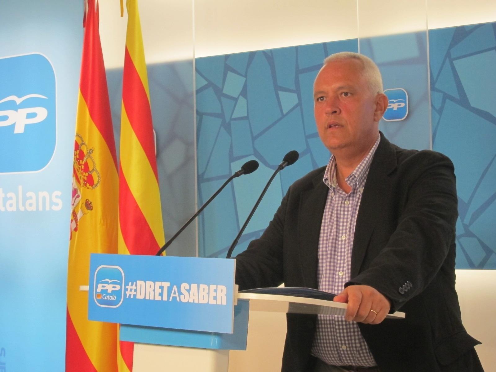 El PP ve a Artur Mas «sumiso a los dictados independentistas» aunque no vaya a la cadena humana