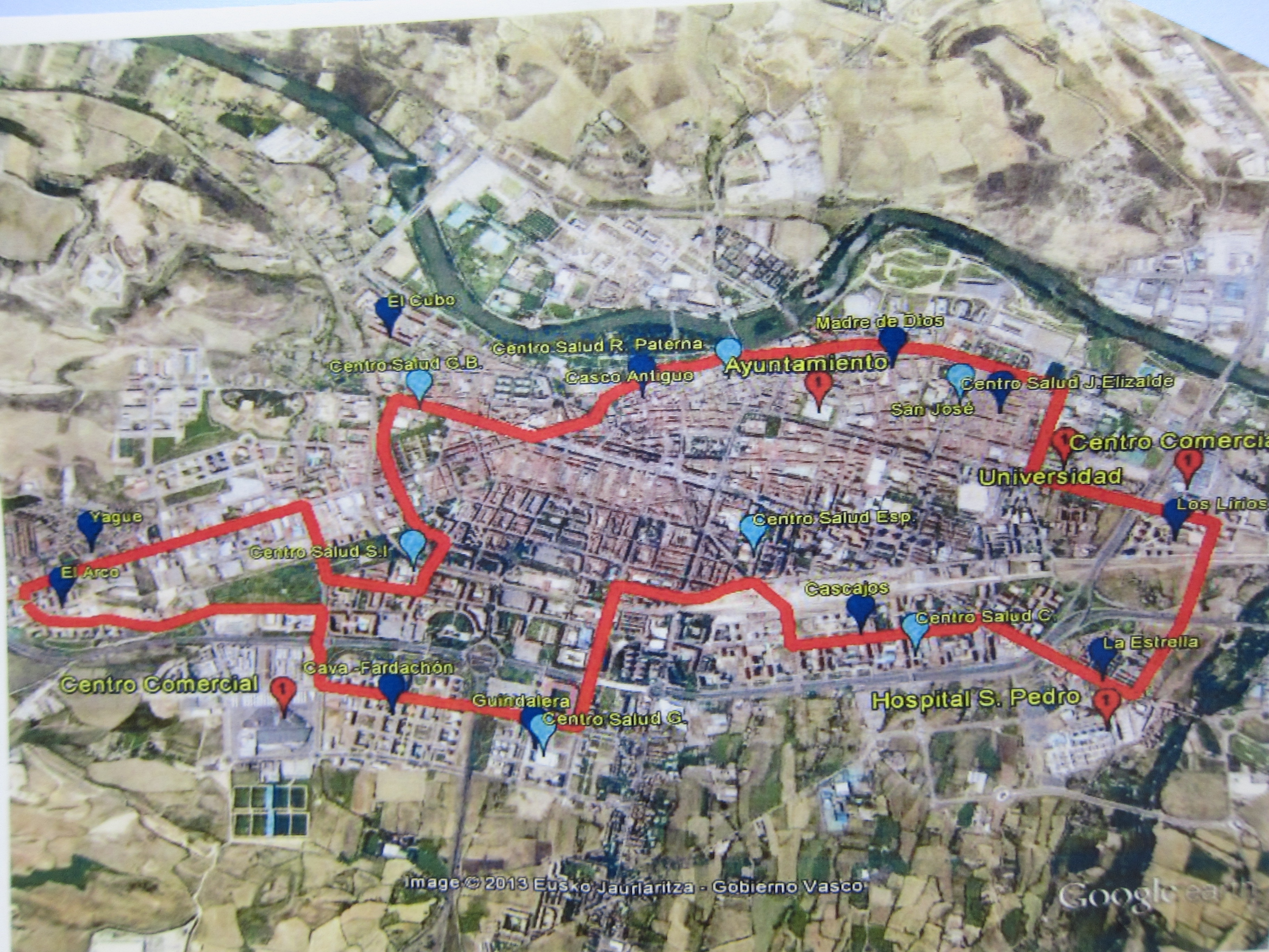 El PSOE plantea un nueva línea circular de bus urbano que uniría 11 barrios periféricos y hasta 39 puntos de interés