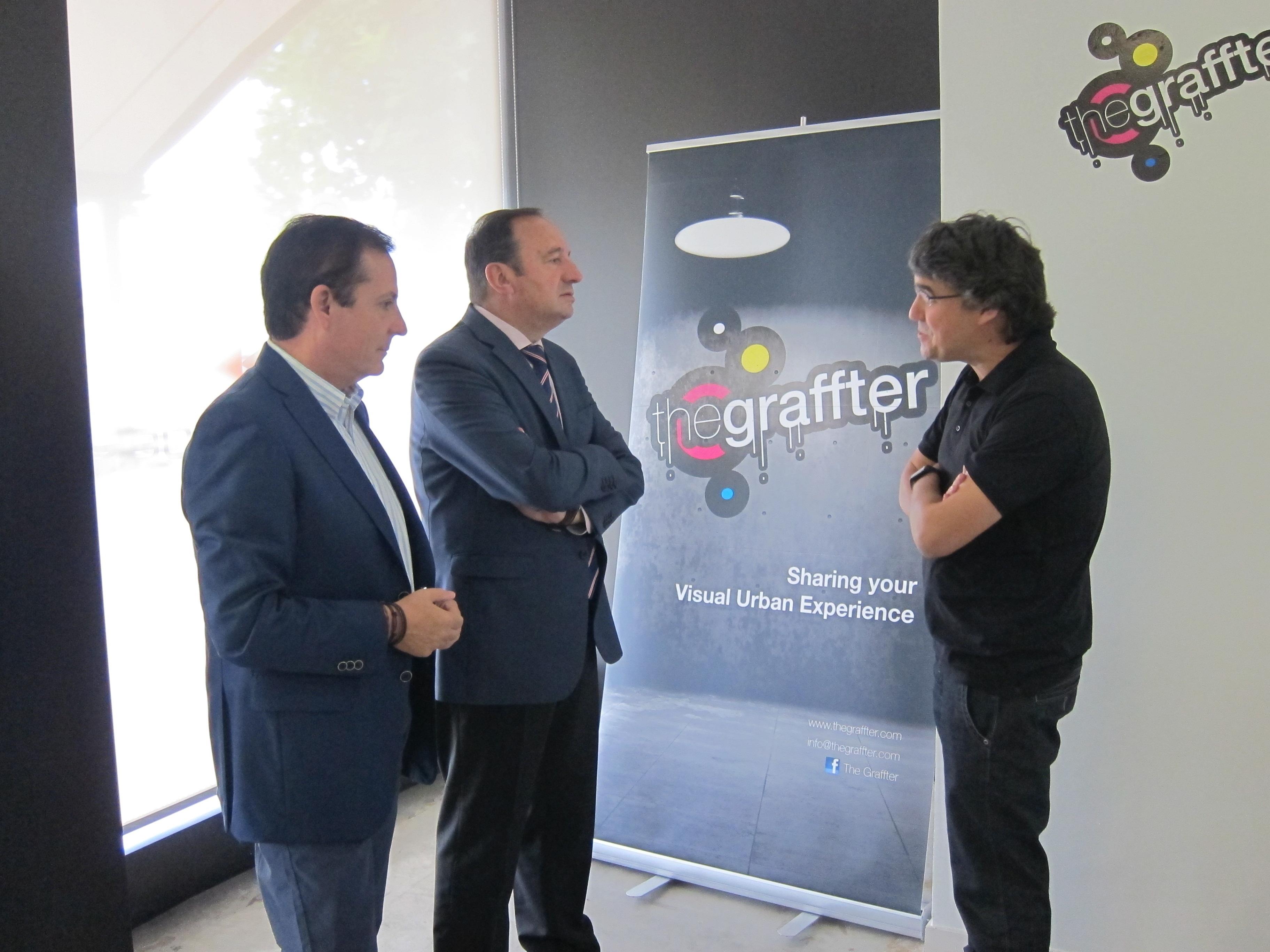 Pedro Sanz visita a las 14 empresas situadas en las instalaciones del Vivero de Base Tecnológica