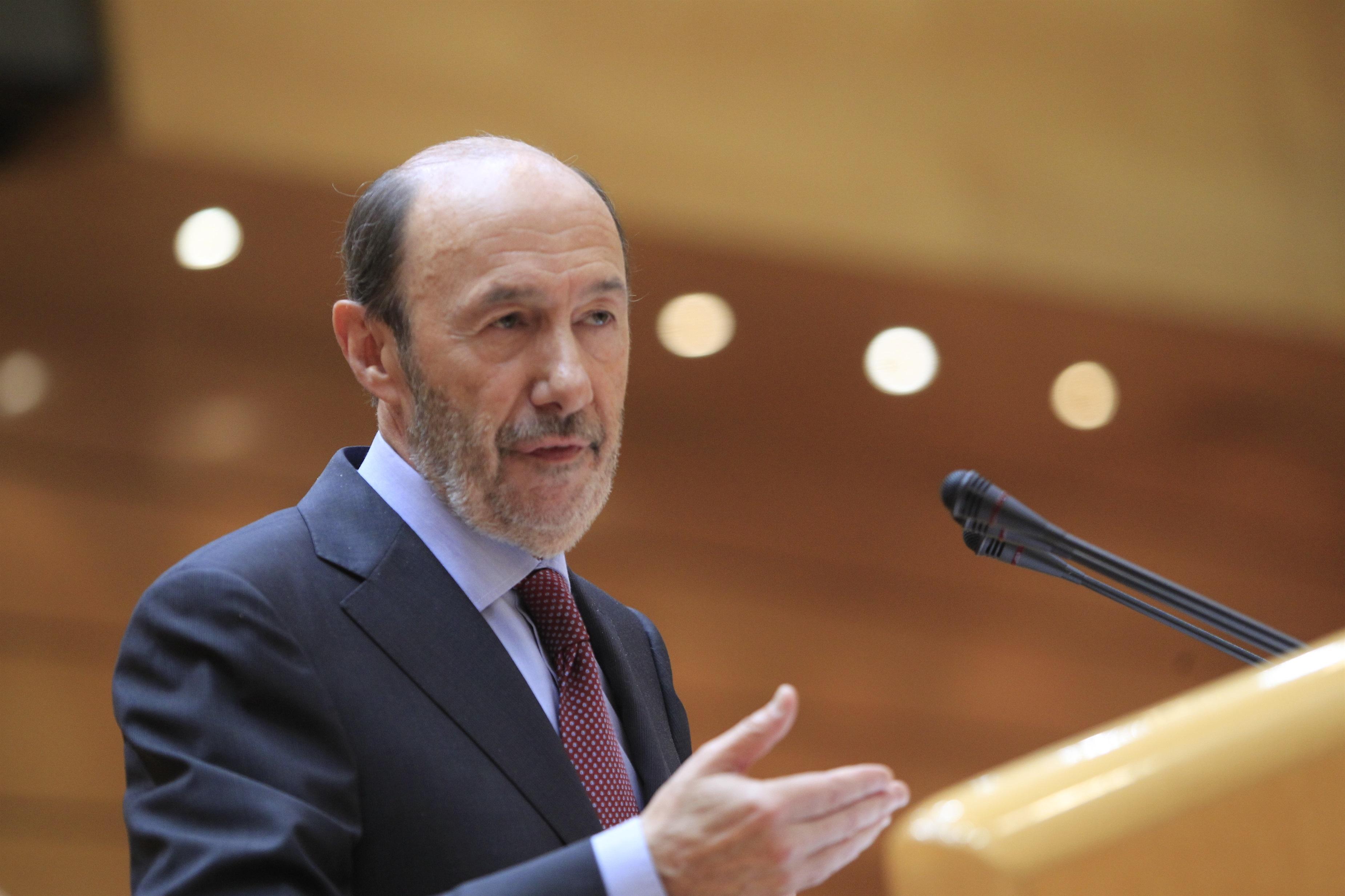 Rubalcaba ganó un total de 574.813 euros netos entre 2003 y 2012, según sus declaraciones de la renta