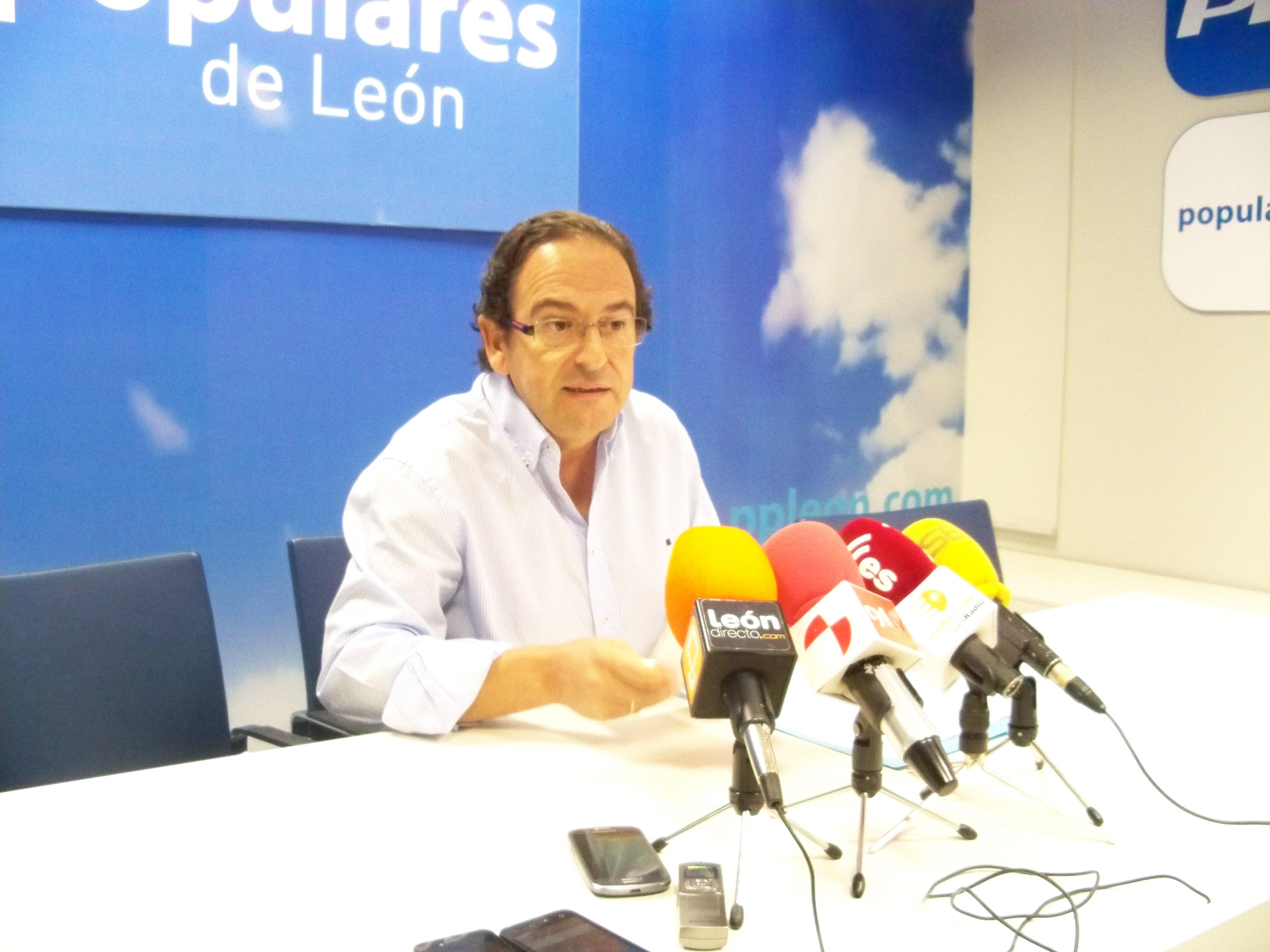 Aznar asegura que el PP quiere presentar en Bruselas un nuevo Plan del Carbón «lo más consensuado posible»