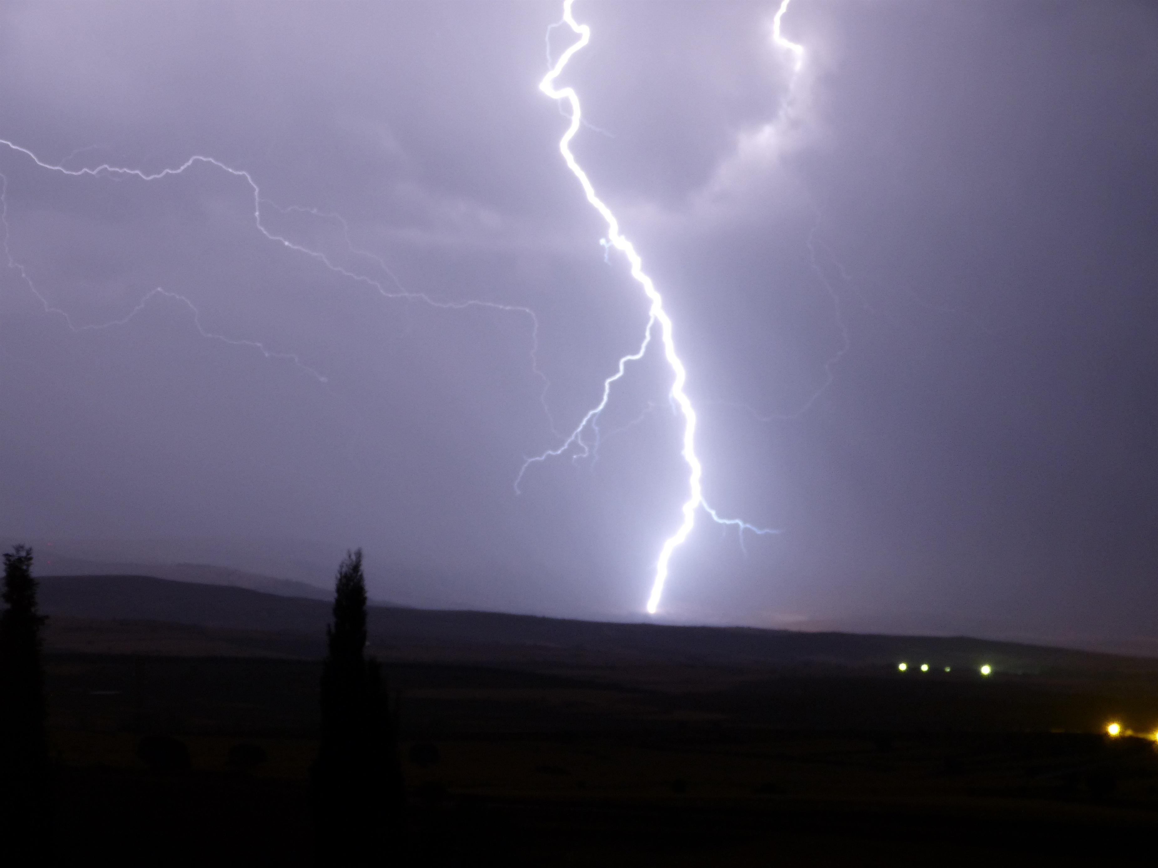 Chubascos y tormentas fuertes en el sureste peninsular e Ibiza
