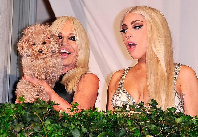Lady Gaga escribe una canción en honor a Donatella Versace