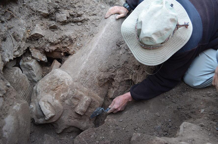 Encuentran en Perú dos cabezas de piedra de más de 2.000 años de antigüedad
