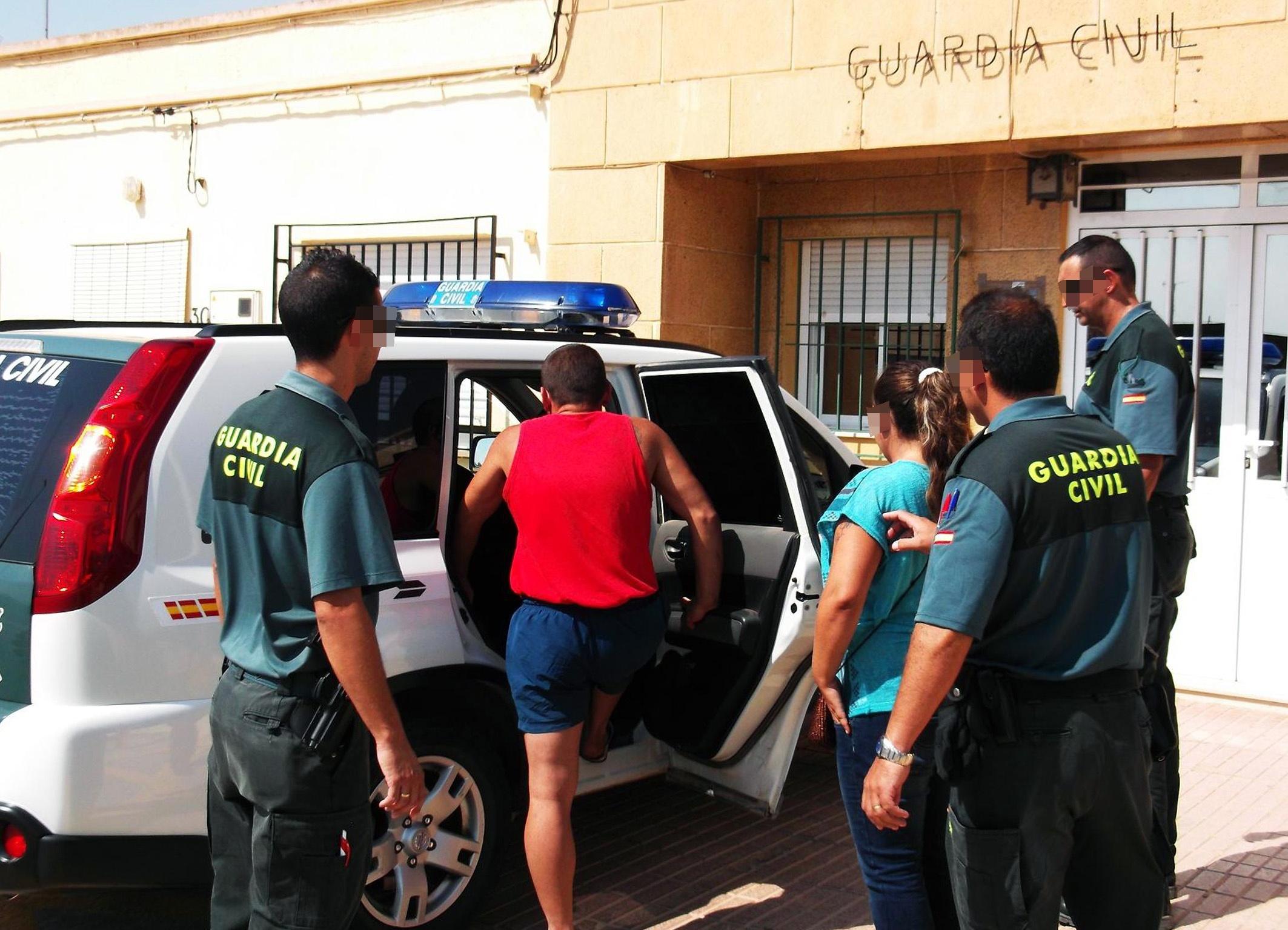 Guardia Civil detiene a dos personas por sustraer cable de cobre de alumbrado público en Miranda y El Albujón