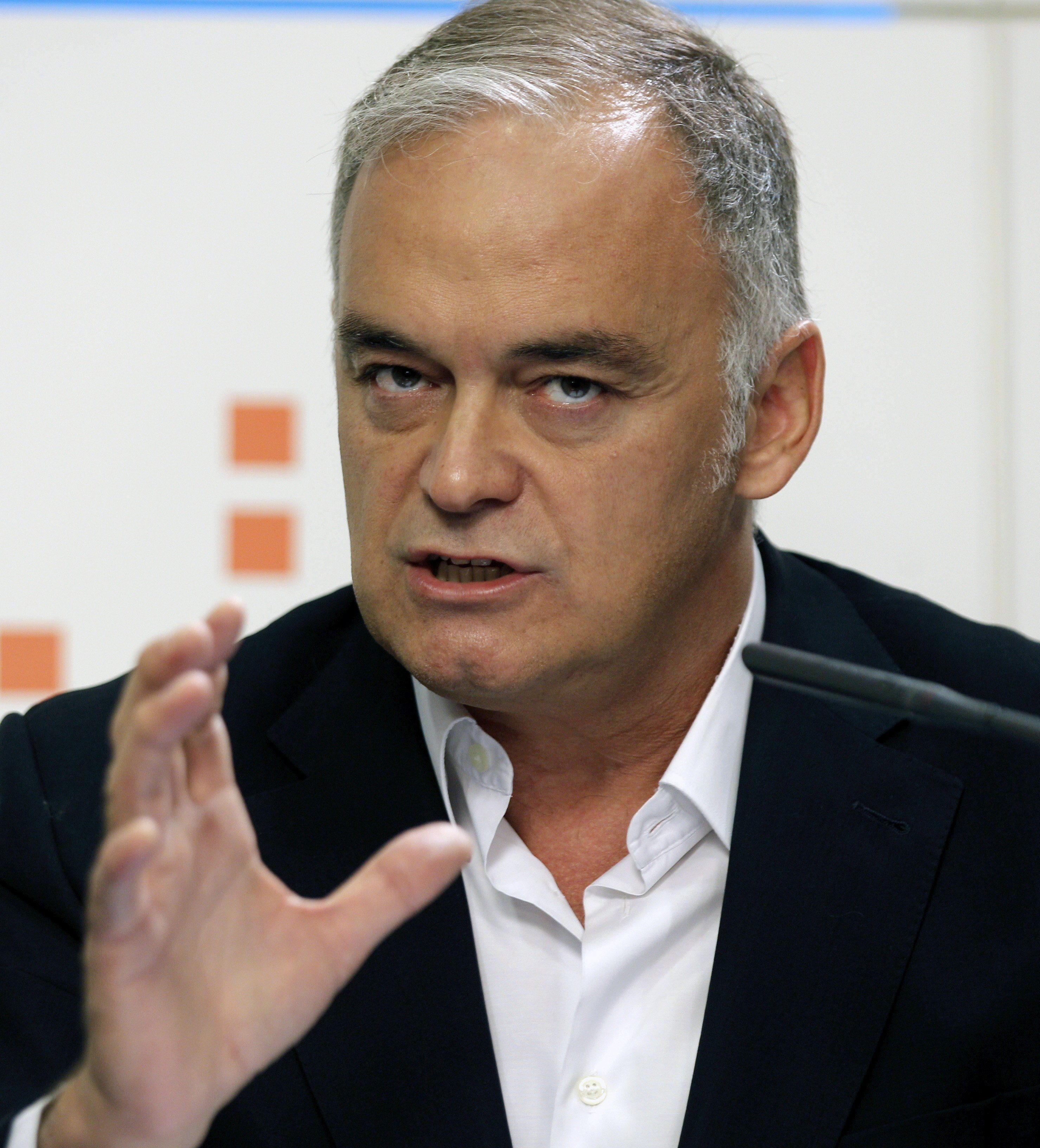 El PP pide que los líos políticos «no arruinen» la recuperación económica