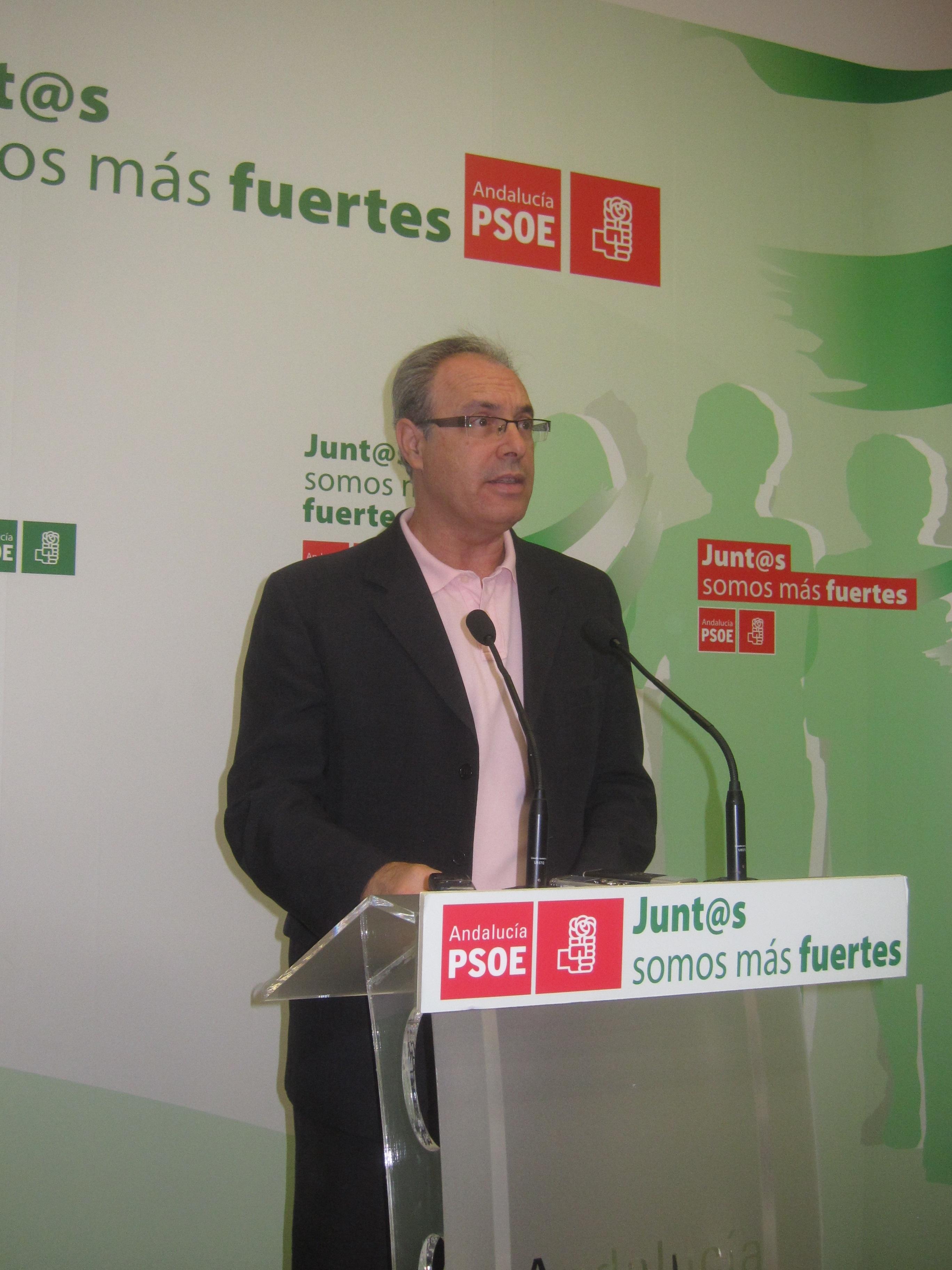 PSOE valora la «renuncia medida» de Griñán para «no dañar a Andalucía» y propiciar un relevo «histórico»