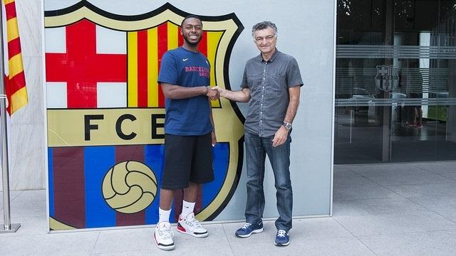 Pullen firma el contrato con el FC Barcelona para esta temporada