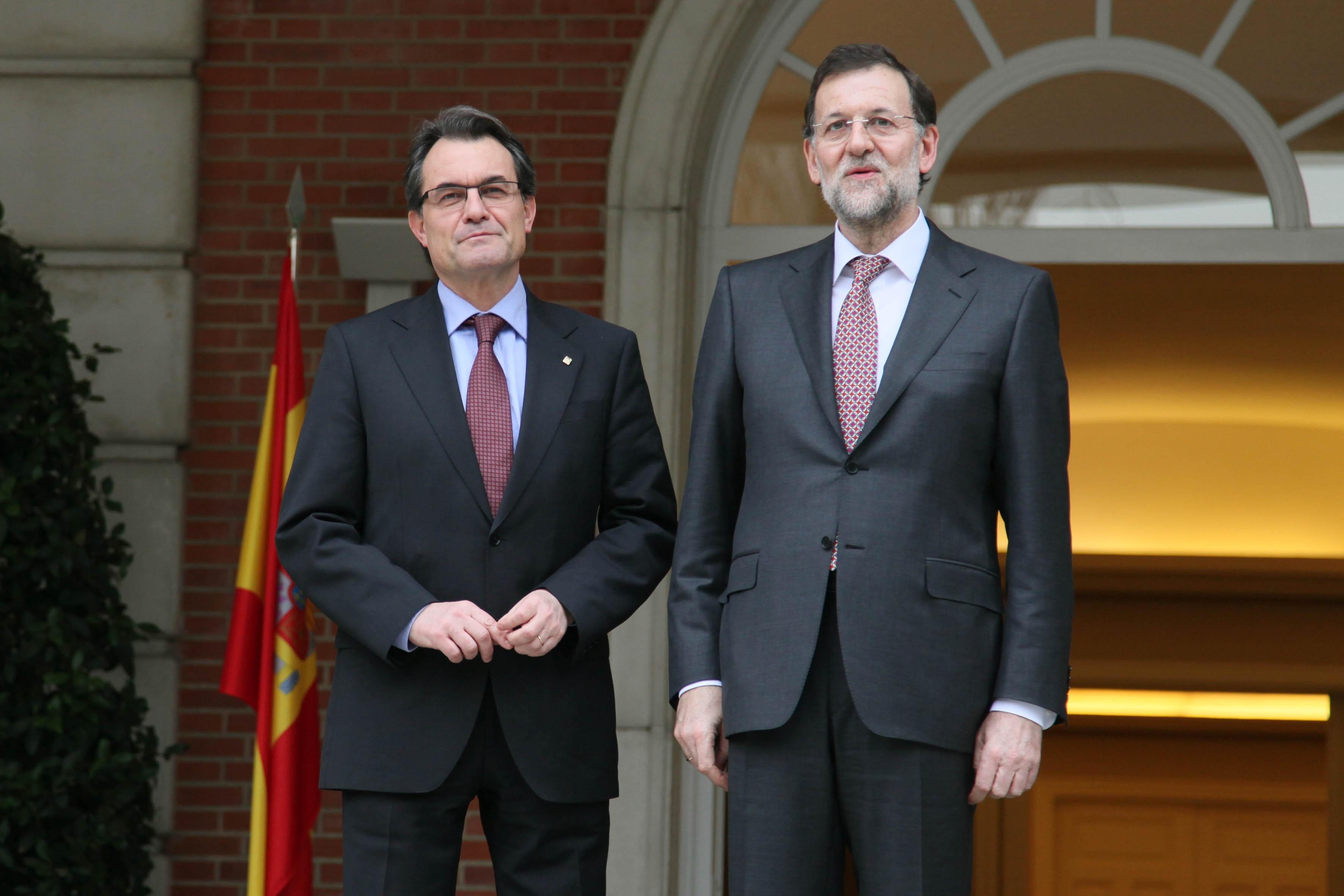 Rajoy y Mas conversaron telefónicamente tras la carta que le envió el presidente catalán