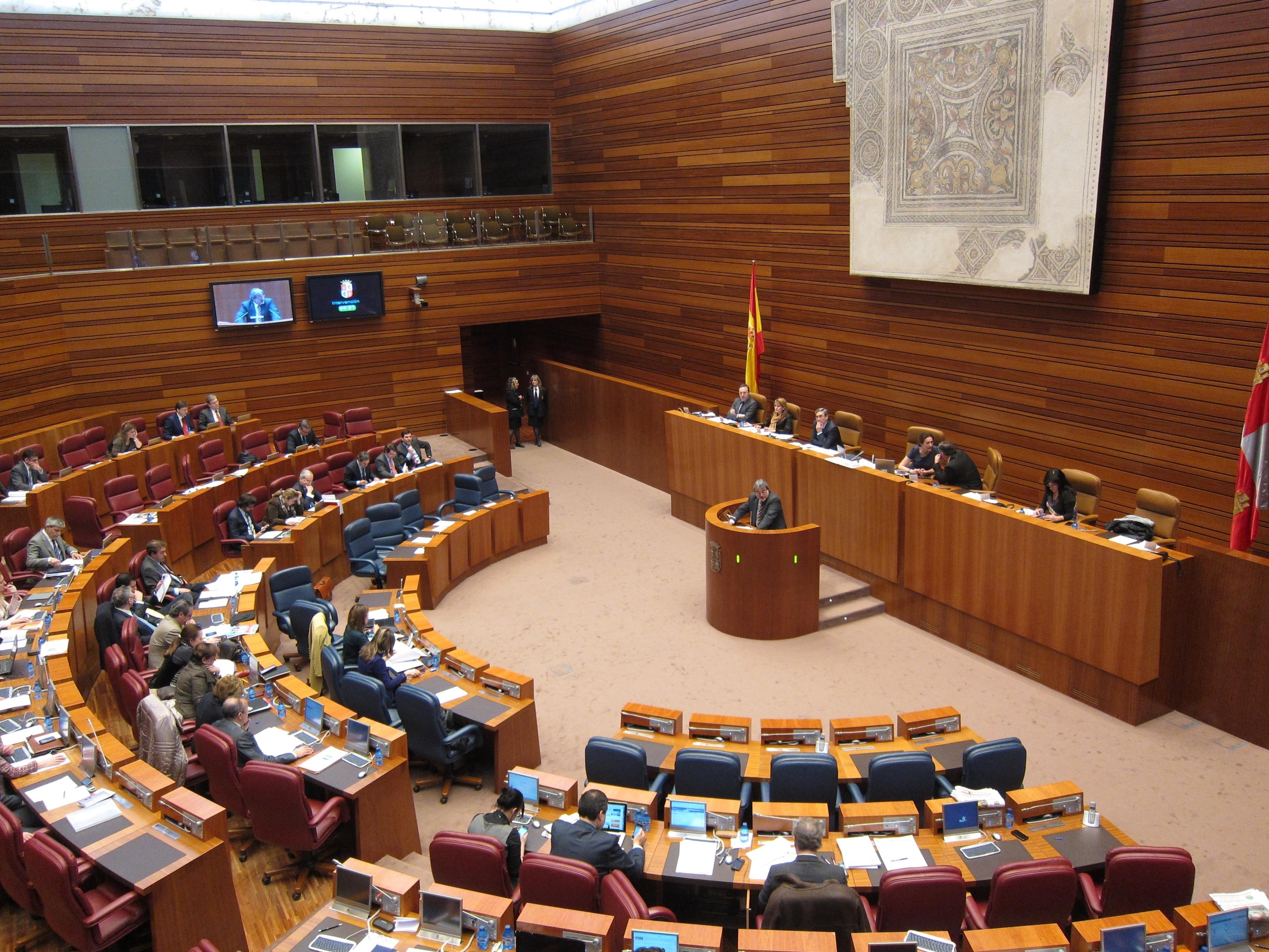 Silván llama a la participación para enriquecer en trámite parlamentario las 22 medidas urgentes …