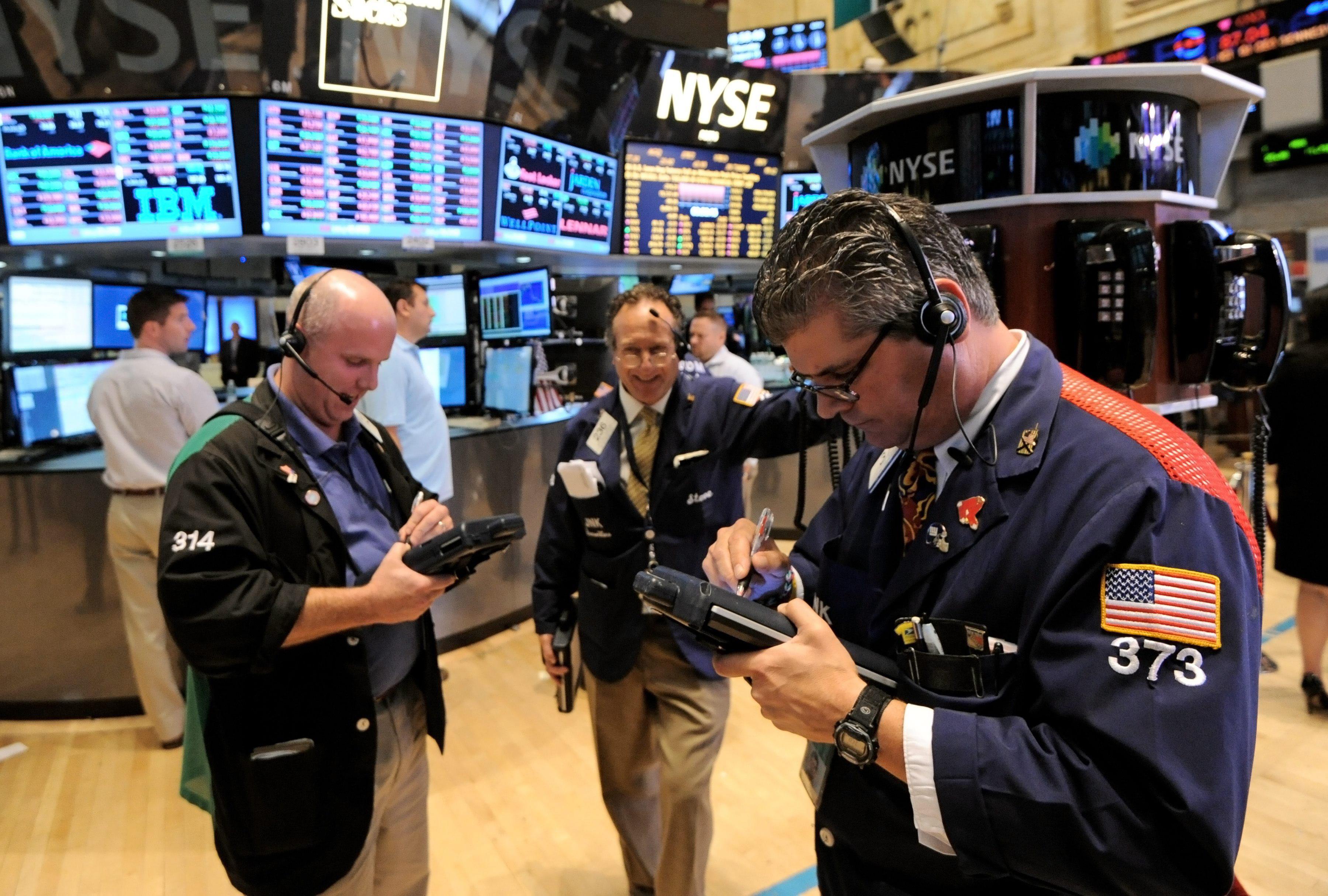 Wall Street amplía sus ganancias hasta el 0,47 por ciento hacia la media sesión