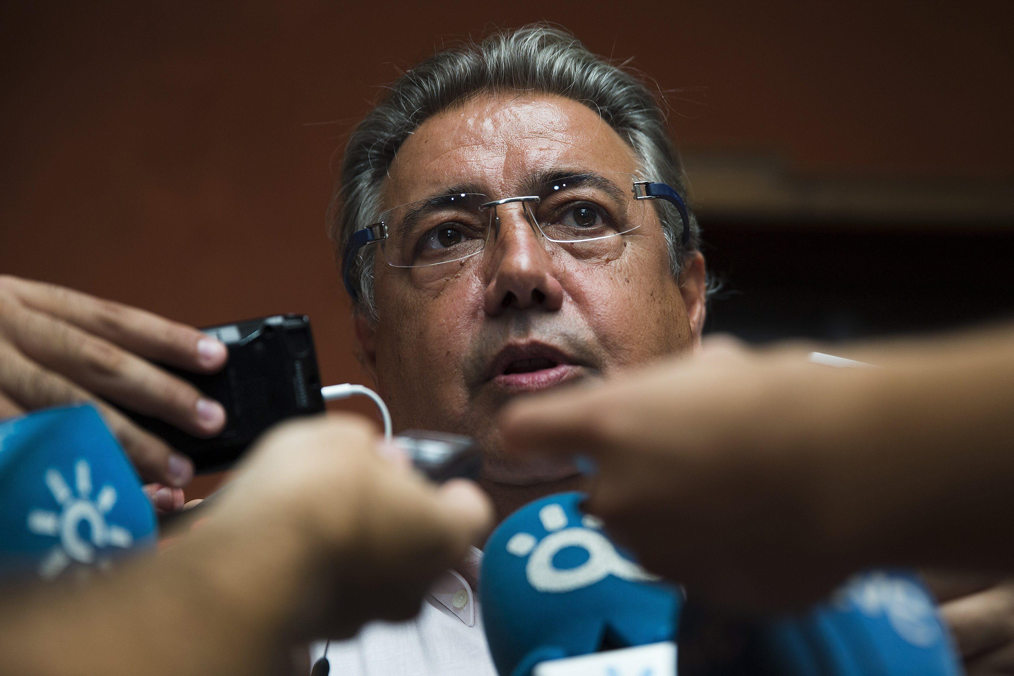 Zoido califica de «aberración» e «indignidad» la investidura de Susana Díaz