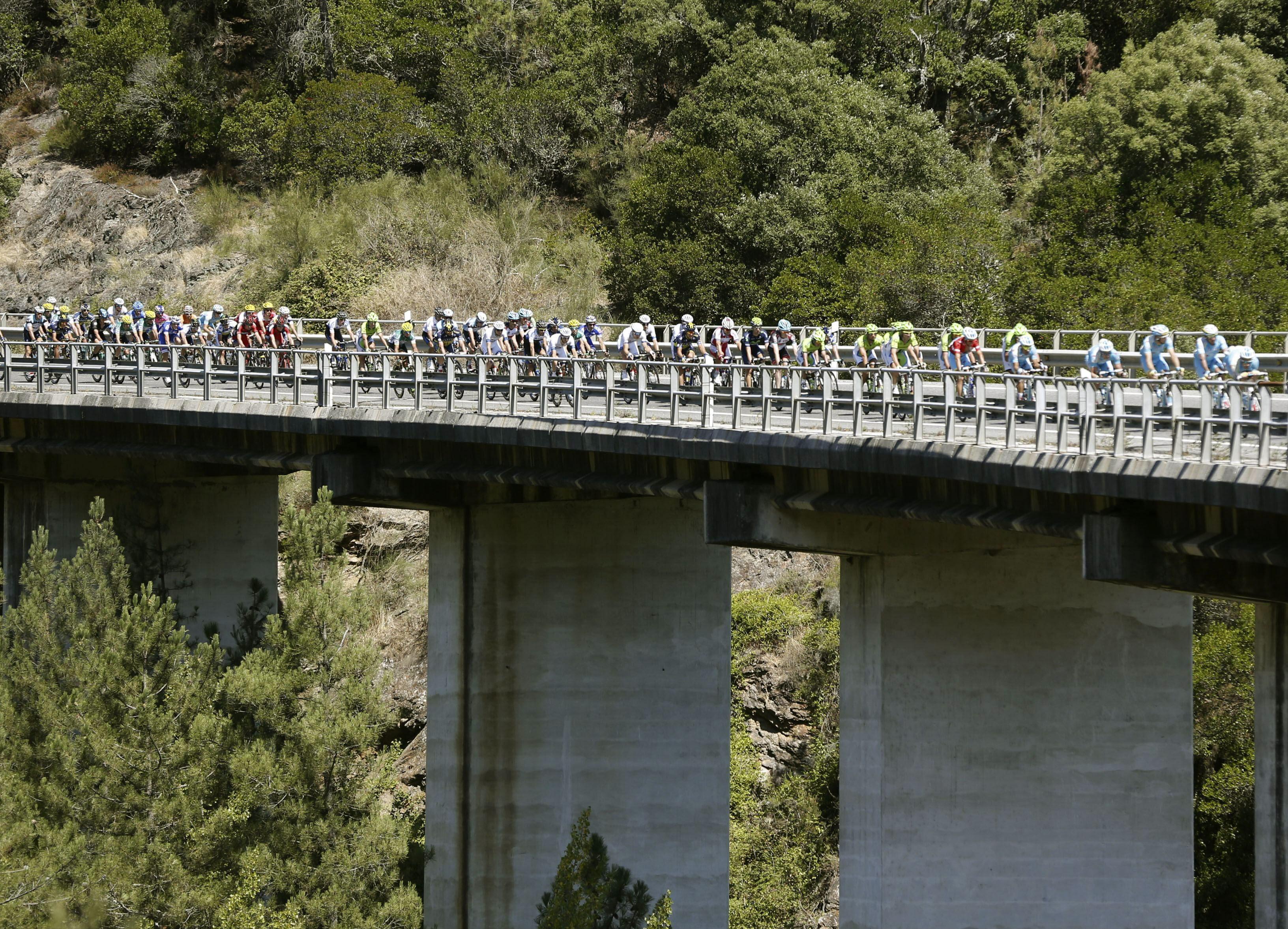 El australiano Matehews gana en Lago de Sanabria y Nibali sigue líder