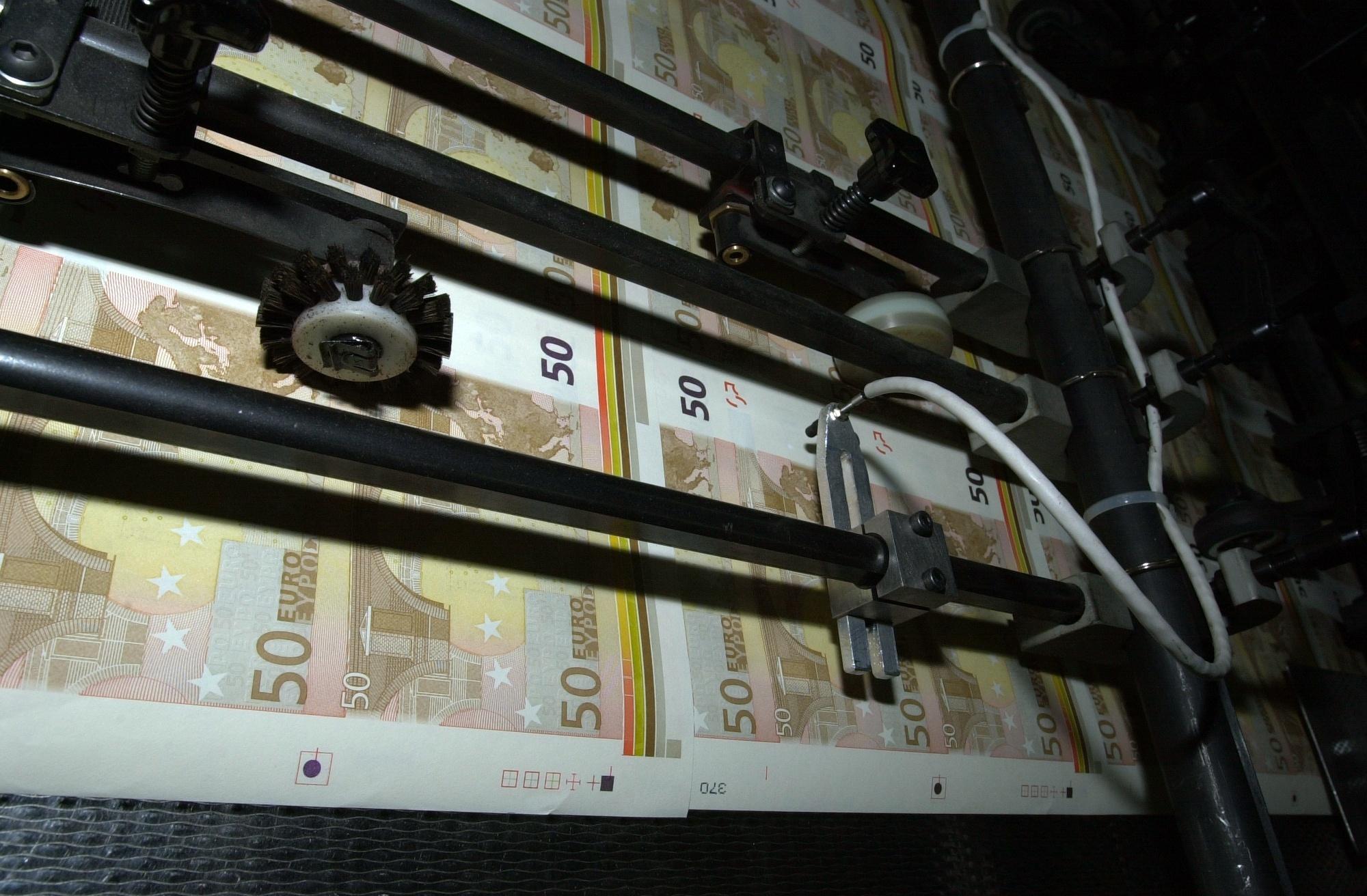 Los billetes de 500 euros vuelven a bajar en julio y se mantienen en niveles de 2005