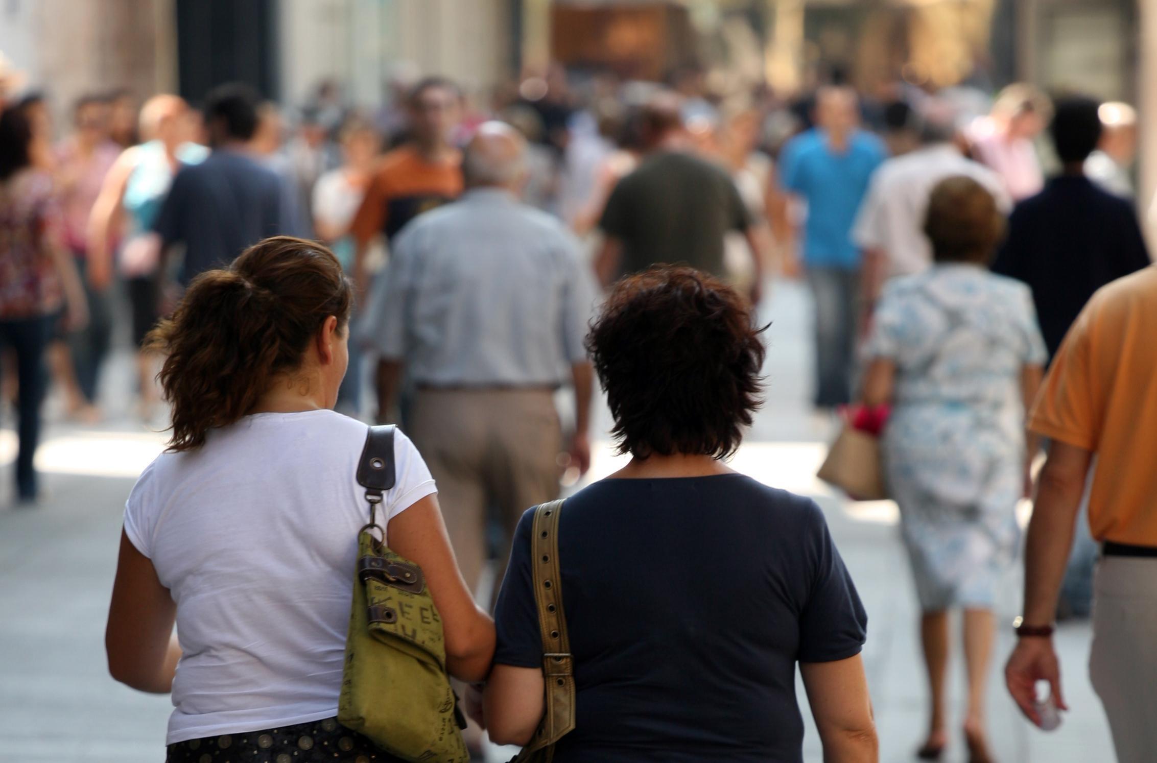 Los depósitos de hogares y empresas se reducen en 5.972 millones en julio