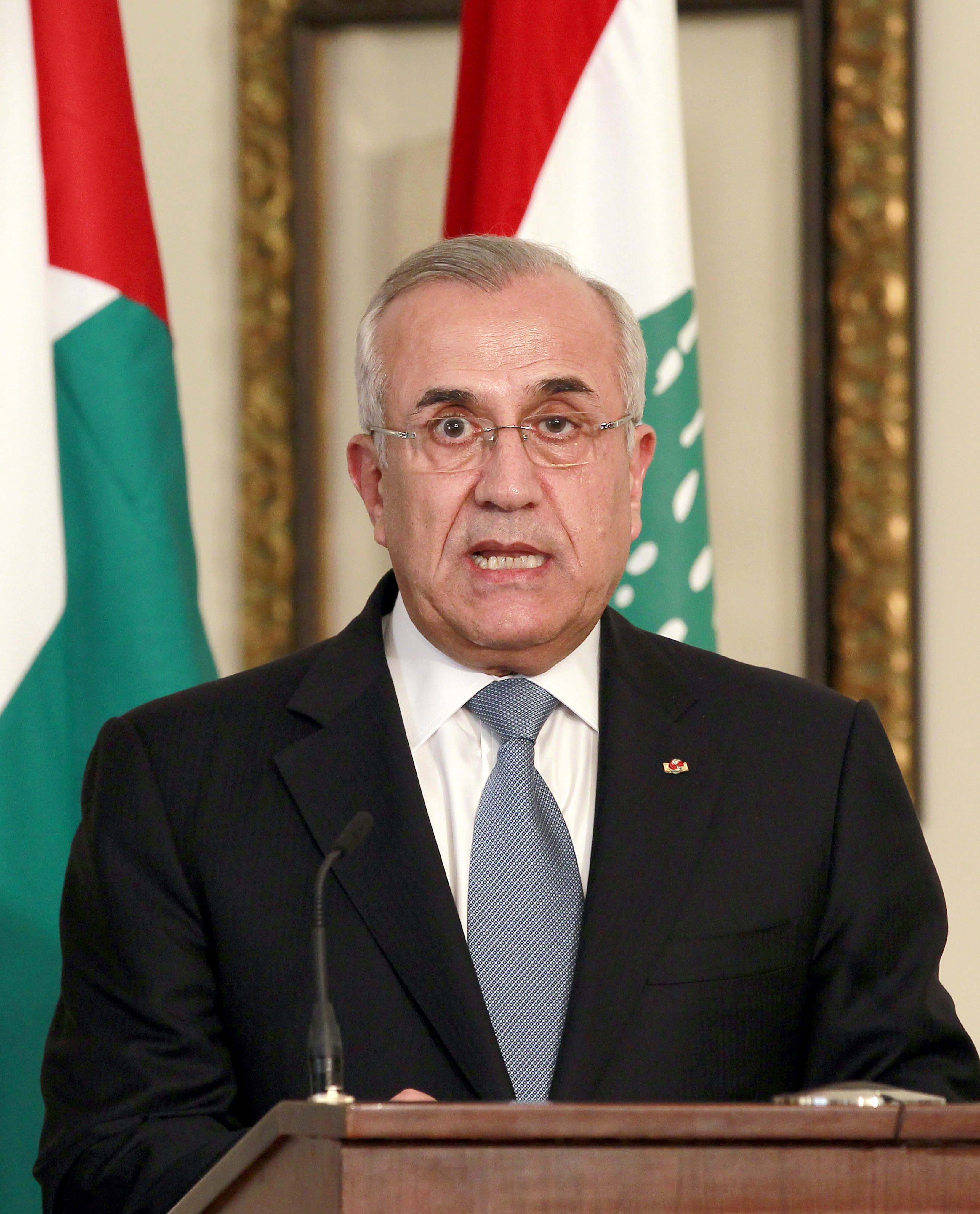 El presidente libanés rechaza una intervención militar en Siria y aboga por el diálogo