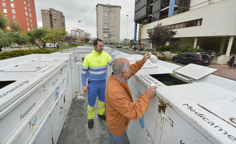 El punto limpio móvil recogió más de 14.500 kilos de residuos contaminantes de origen doméstico hasta junio