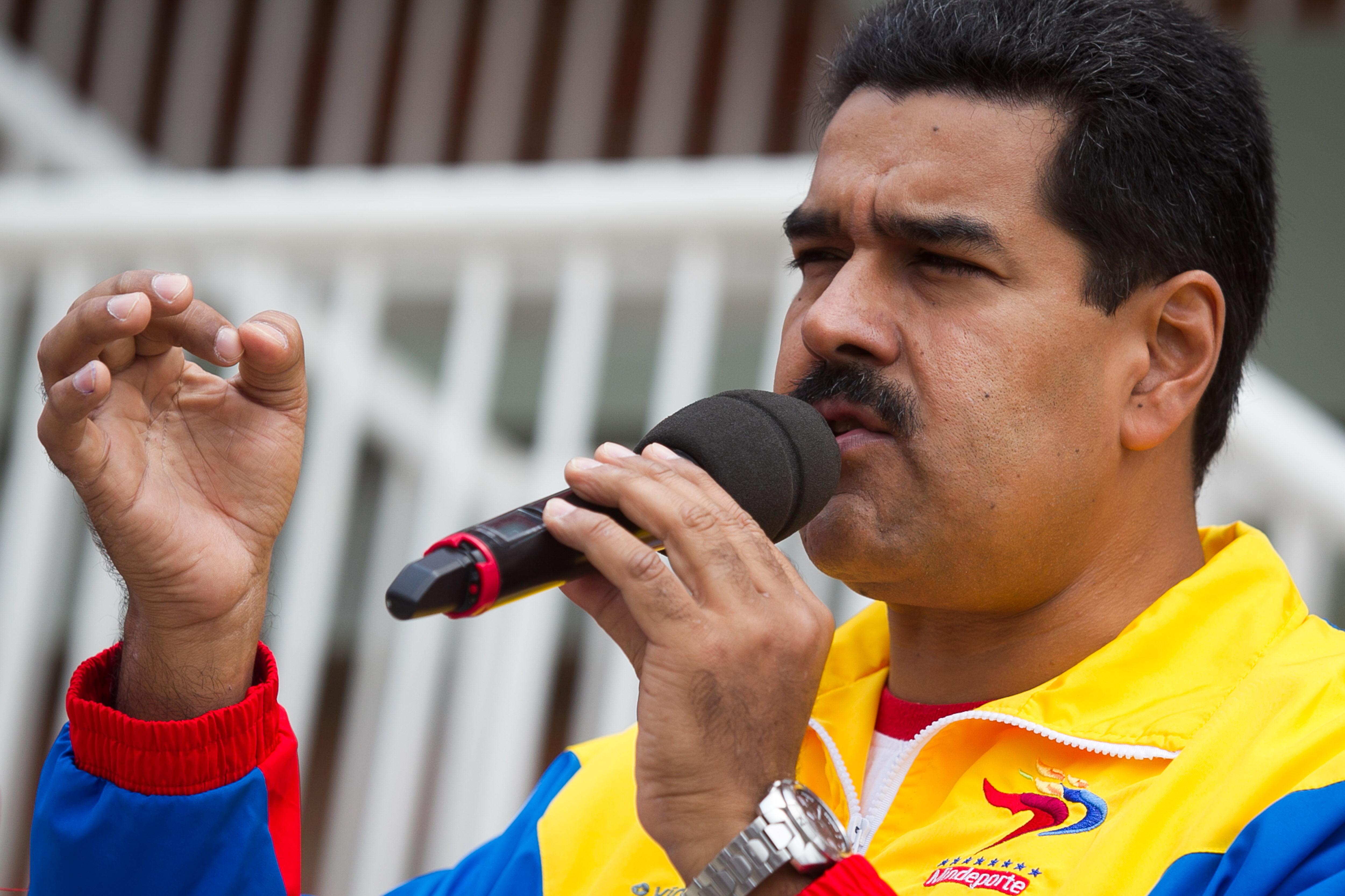 Maduro dice que a los opositores les dio dentera cuando confundió «penes» por «peces»