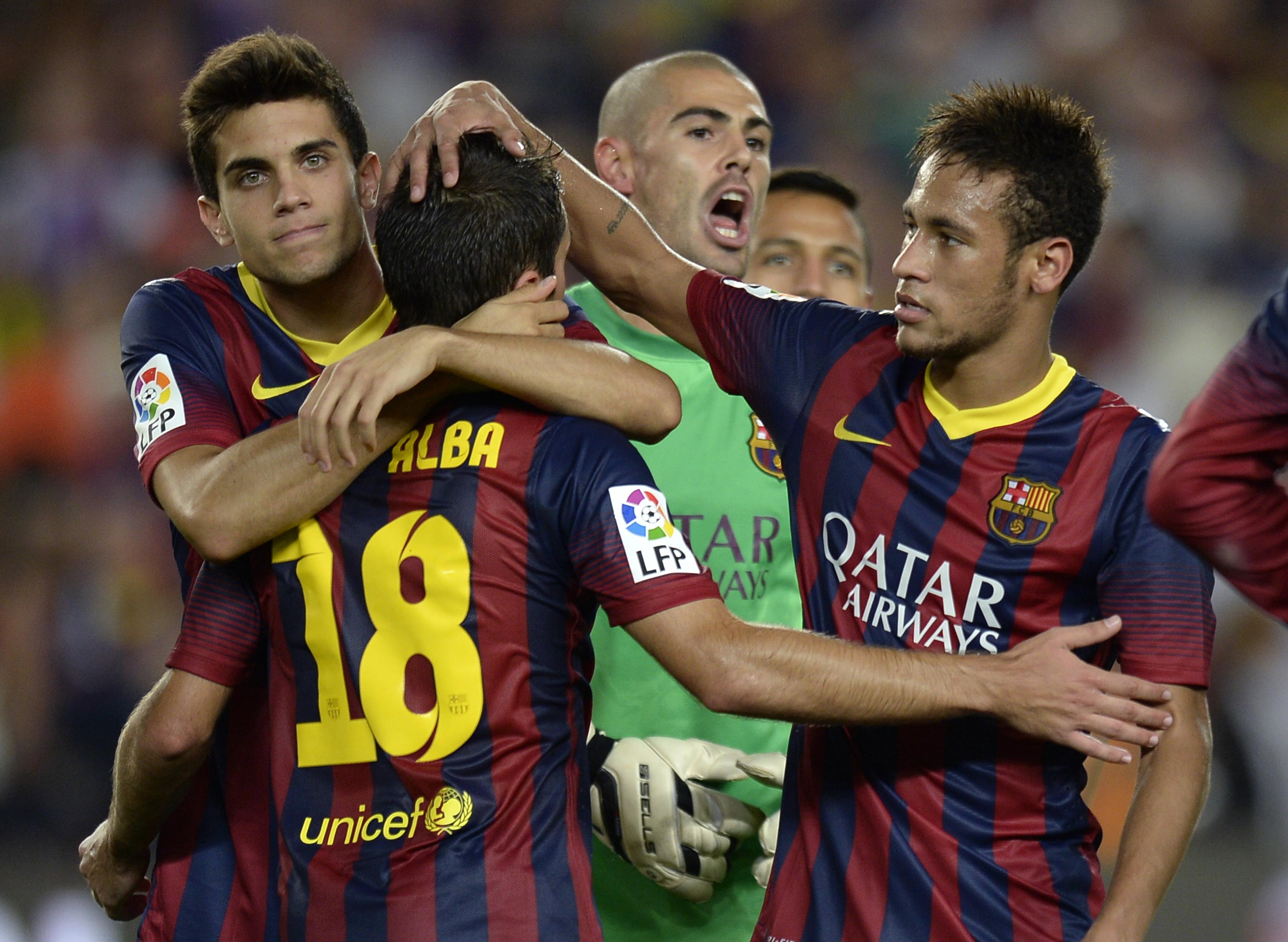 Valdés salvó al Barça con dos paradones ante Arda y Villa