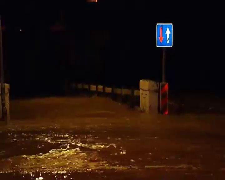 60 desalojados de un cámping y atendidos 44 avisos por lluvias en Andalucía
