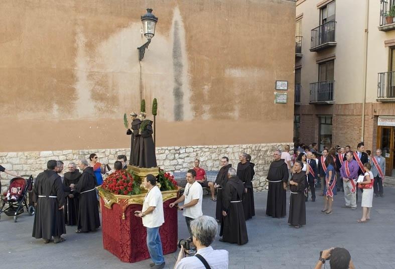 La procesión de los «cagones» de Teruel cumplirá con la tradición para recordar a los copatronos de la ciudad