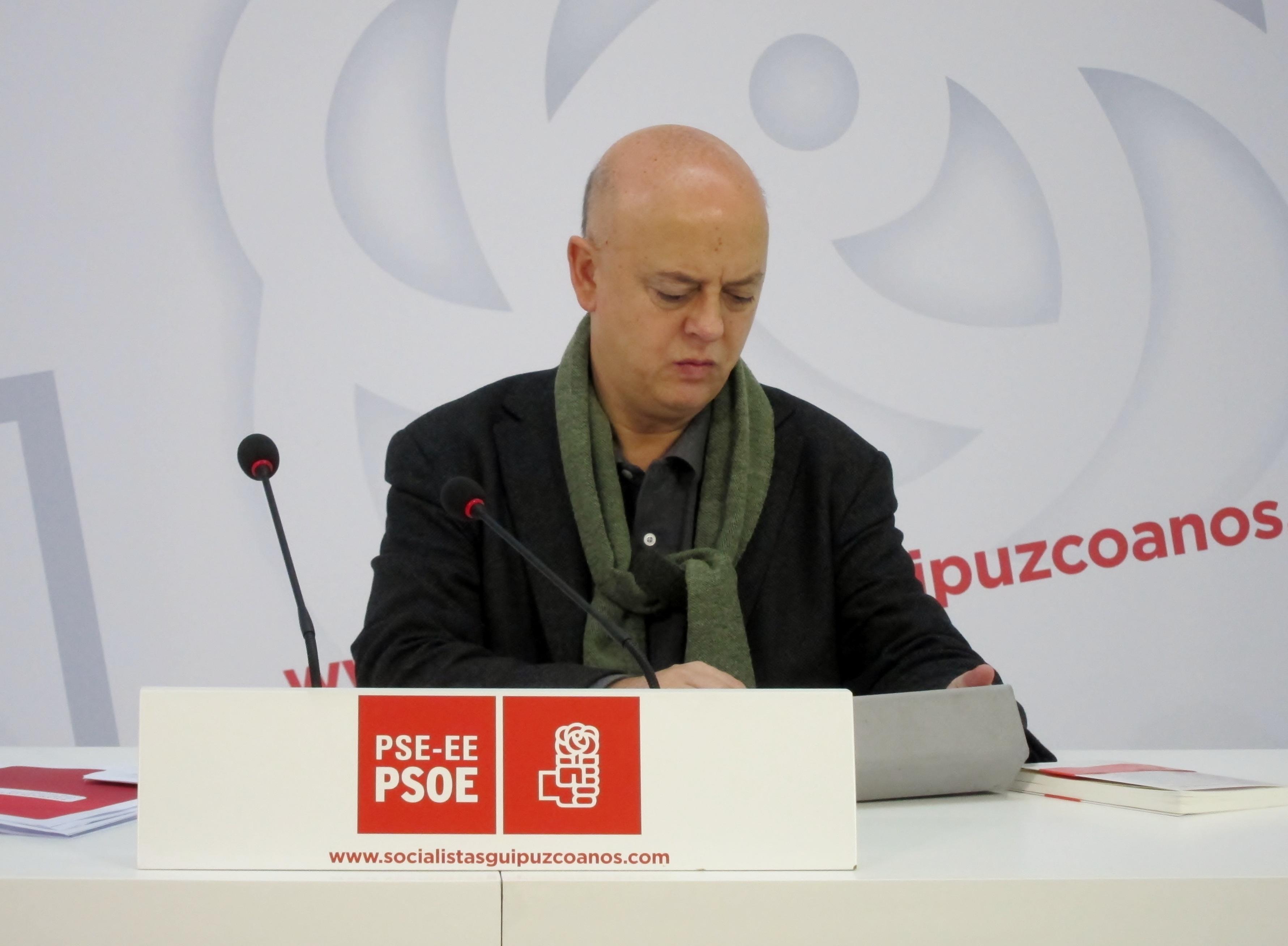 Elorza ve necesario para la «recuperación» de PSOE hacer una oposición «creíble» que marque «las diferencias con el PP»