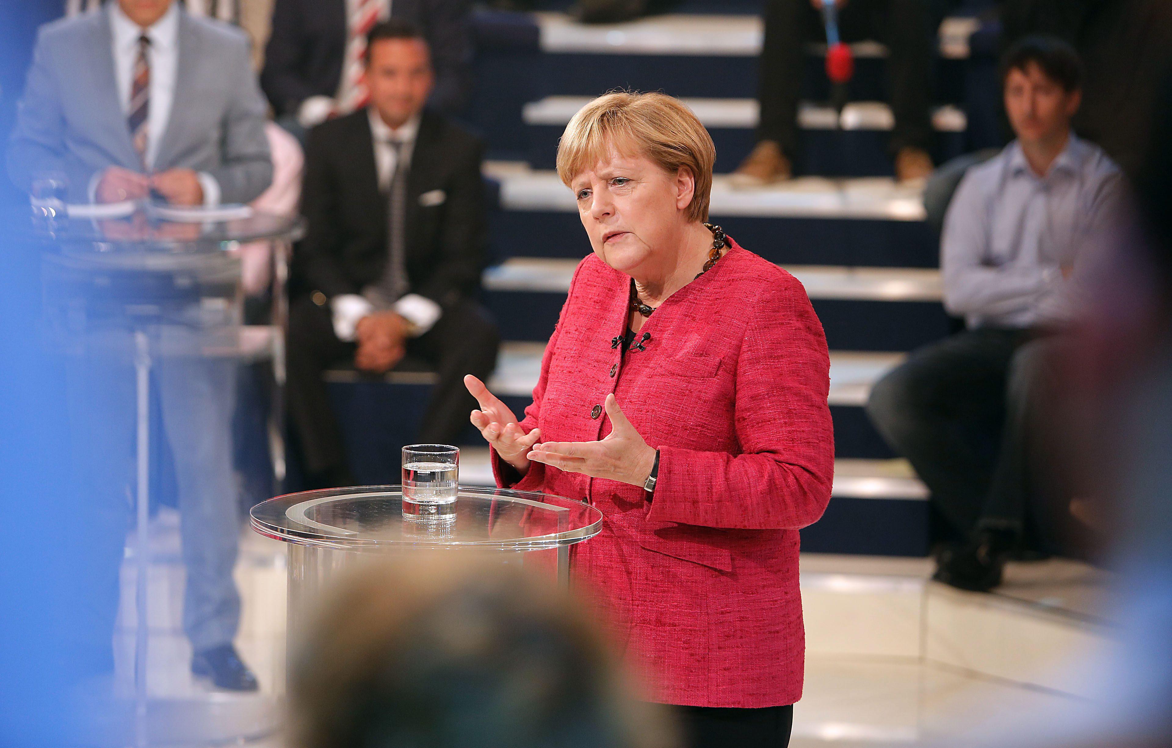 Merkel comprende las protestas del sur pero dice que no es culpable de la crisis
