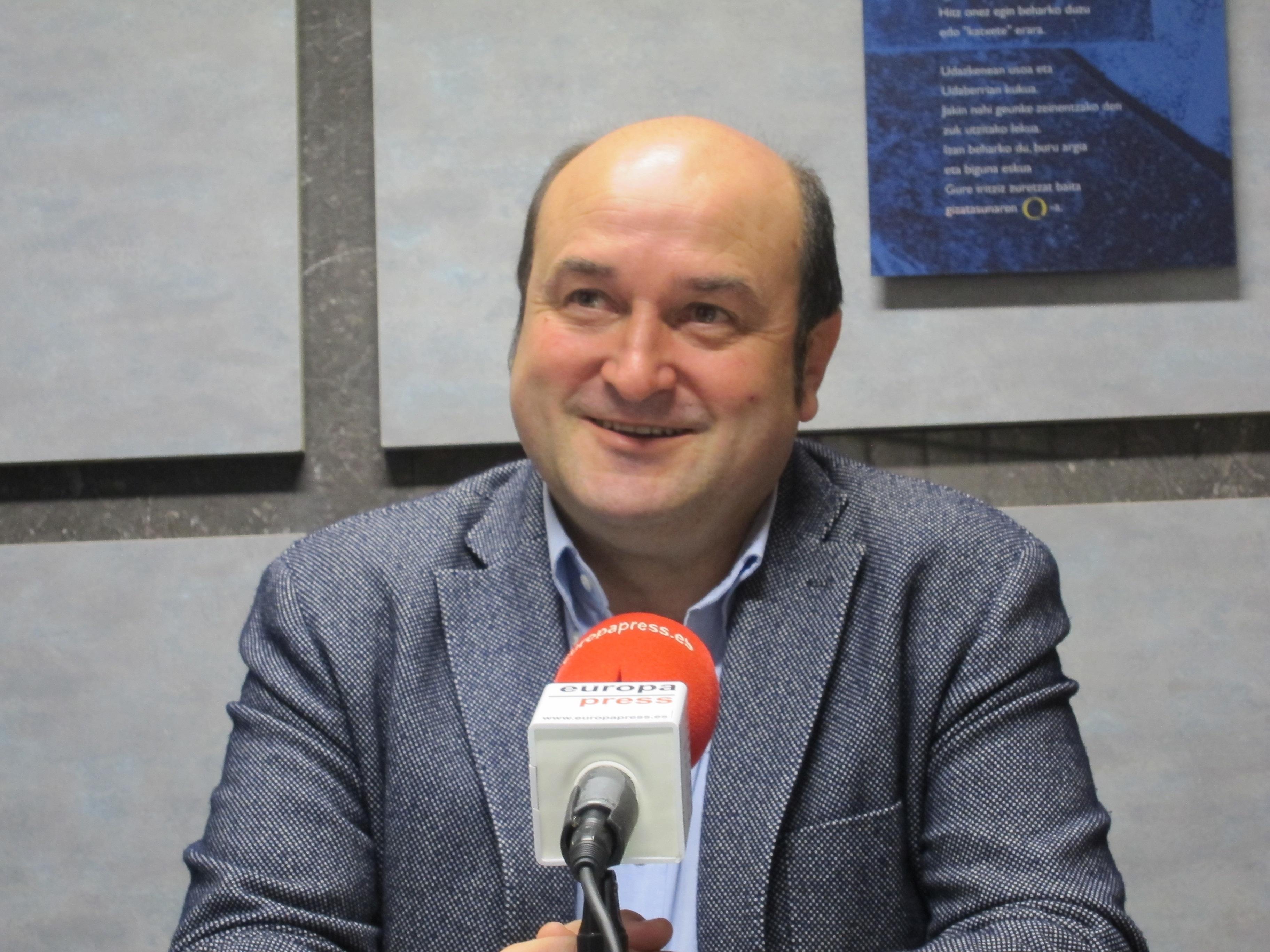 Ortuzar (PNV) cree que el PSE debe ir a la ponencia de paz y ser «exigente» con la izquierda abertzale «sobre la mesa»