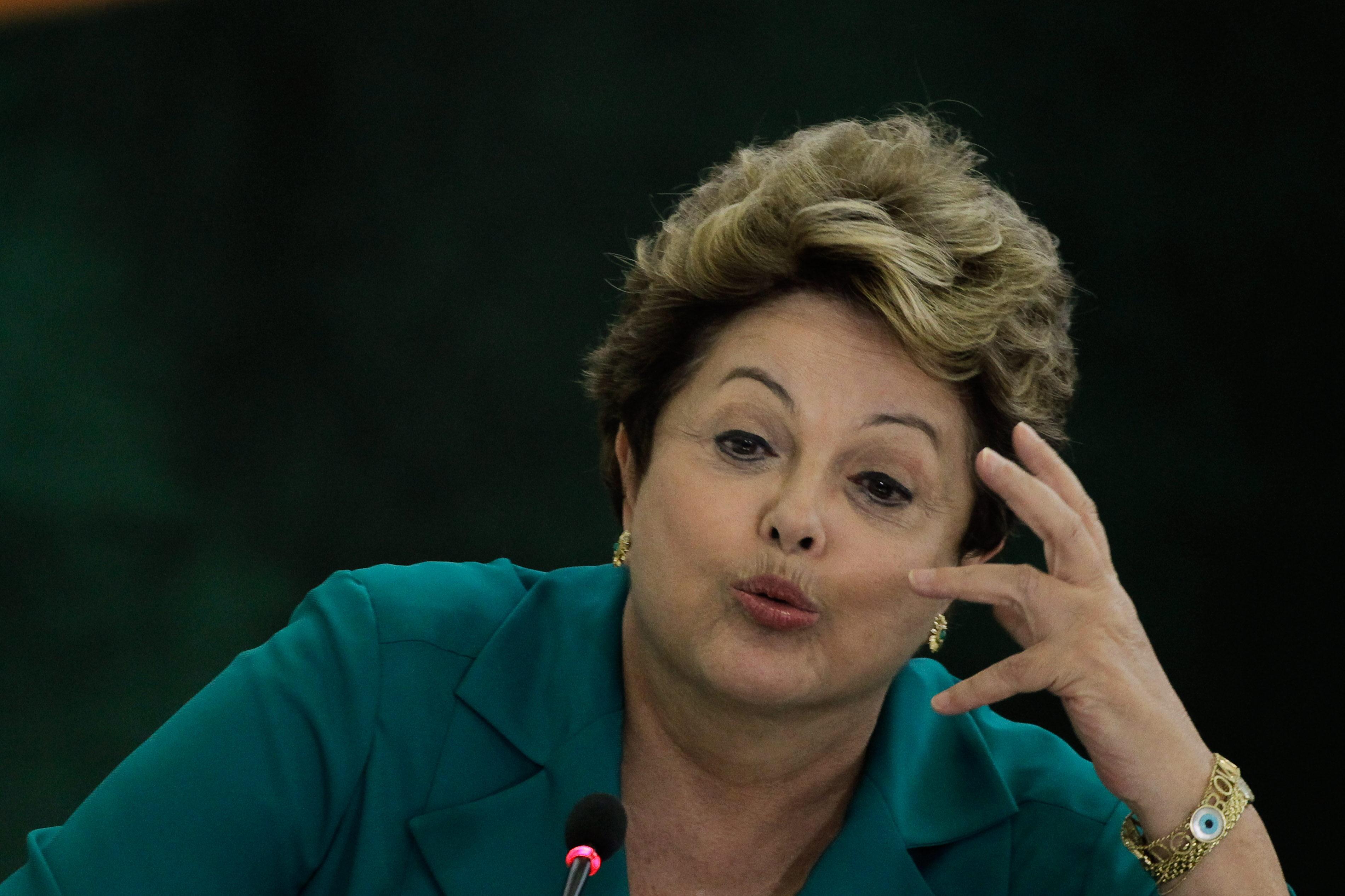 Rousseff reclama a EE.UU. por el supuesto espionaje a Petrobras