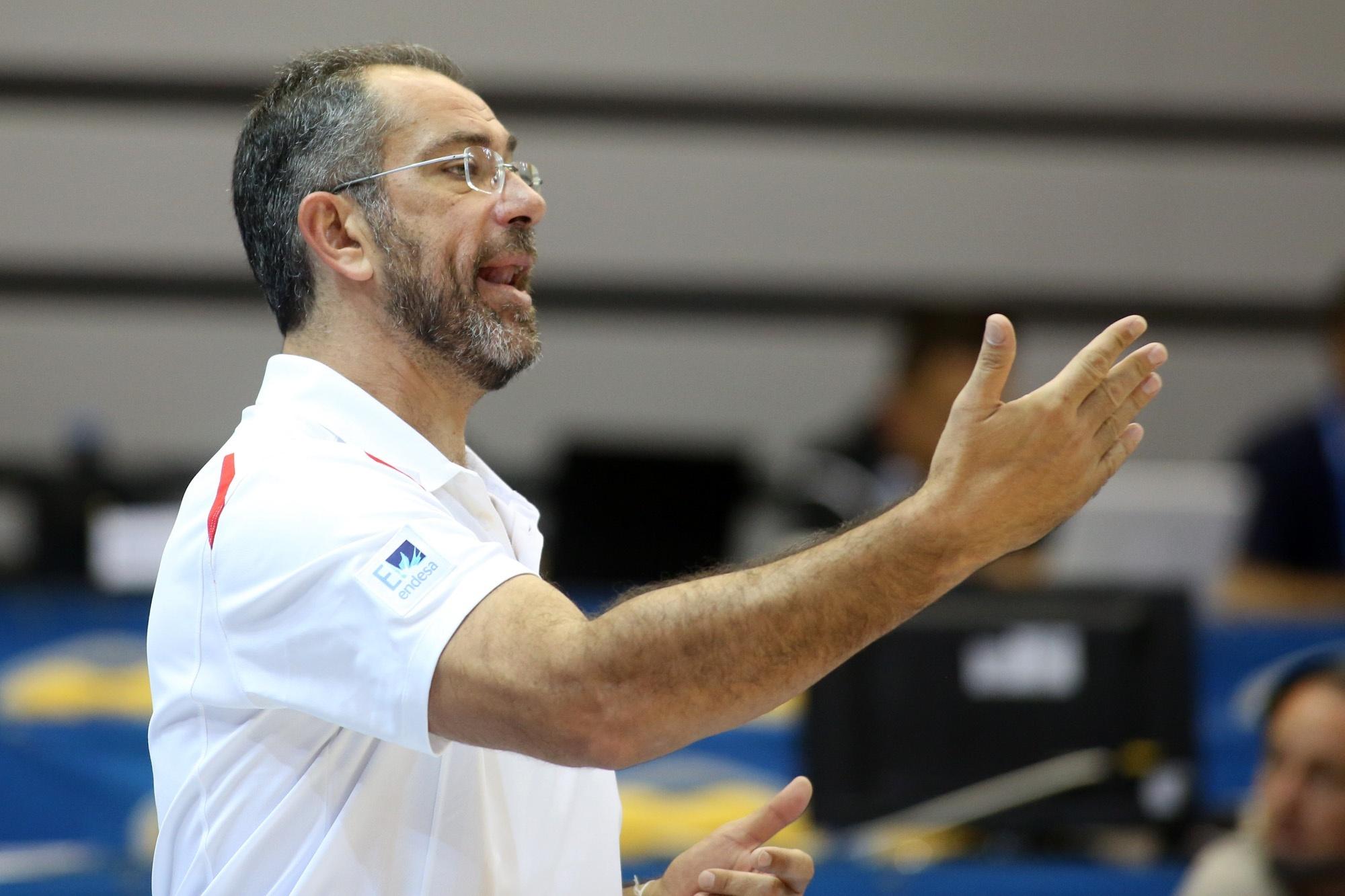 Orenga quiere que los jugadores se concentren en Grecia, no en Spanoulis