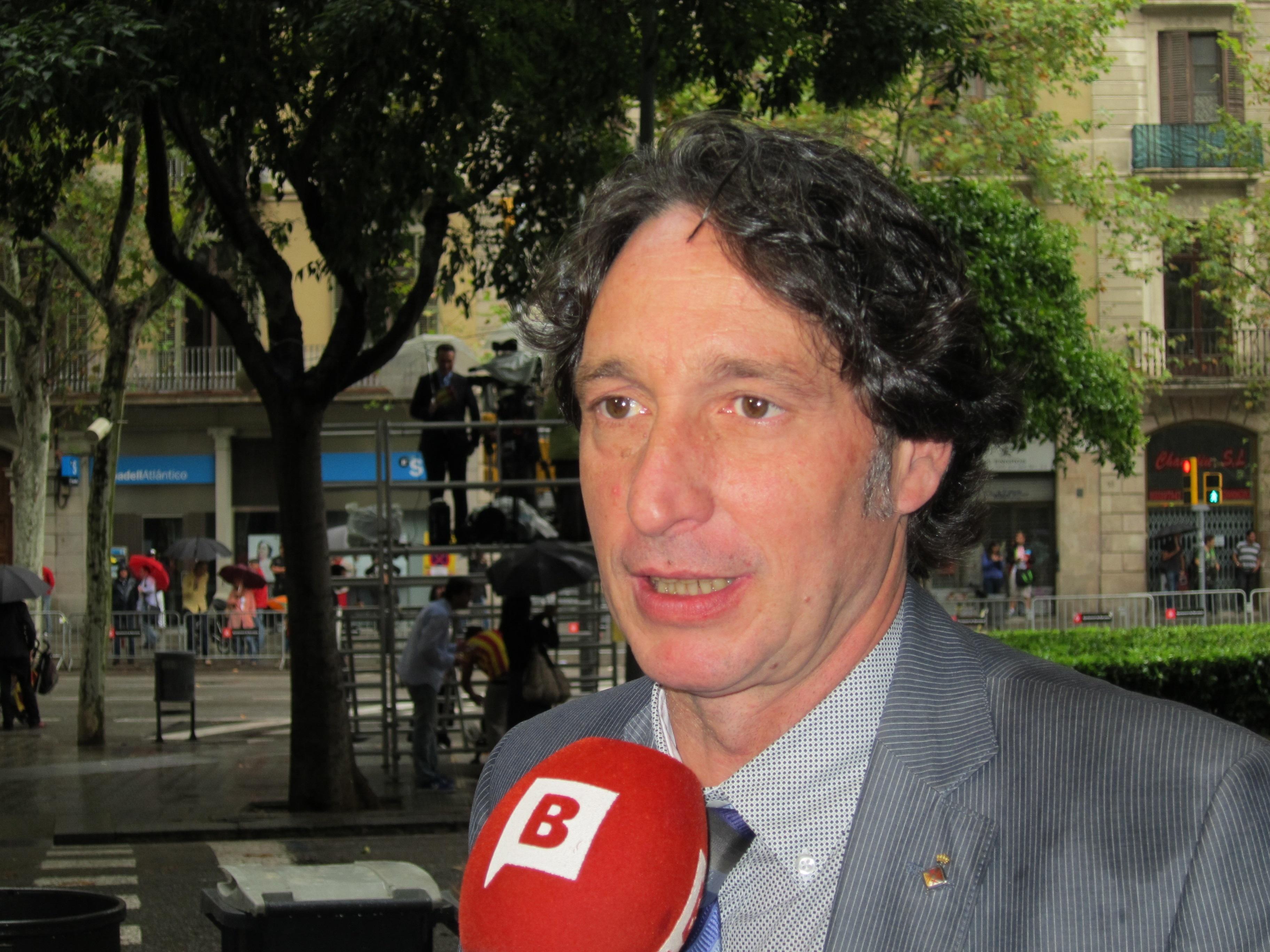 Portabella (ERC) destaca que la »estelada» en la estatua de Casanova «la ha puesto la gente»