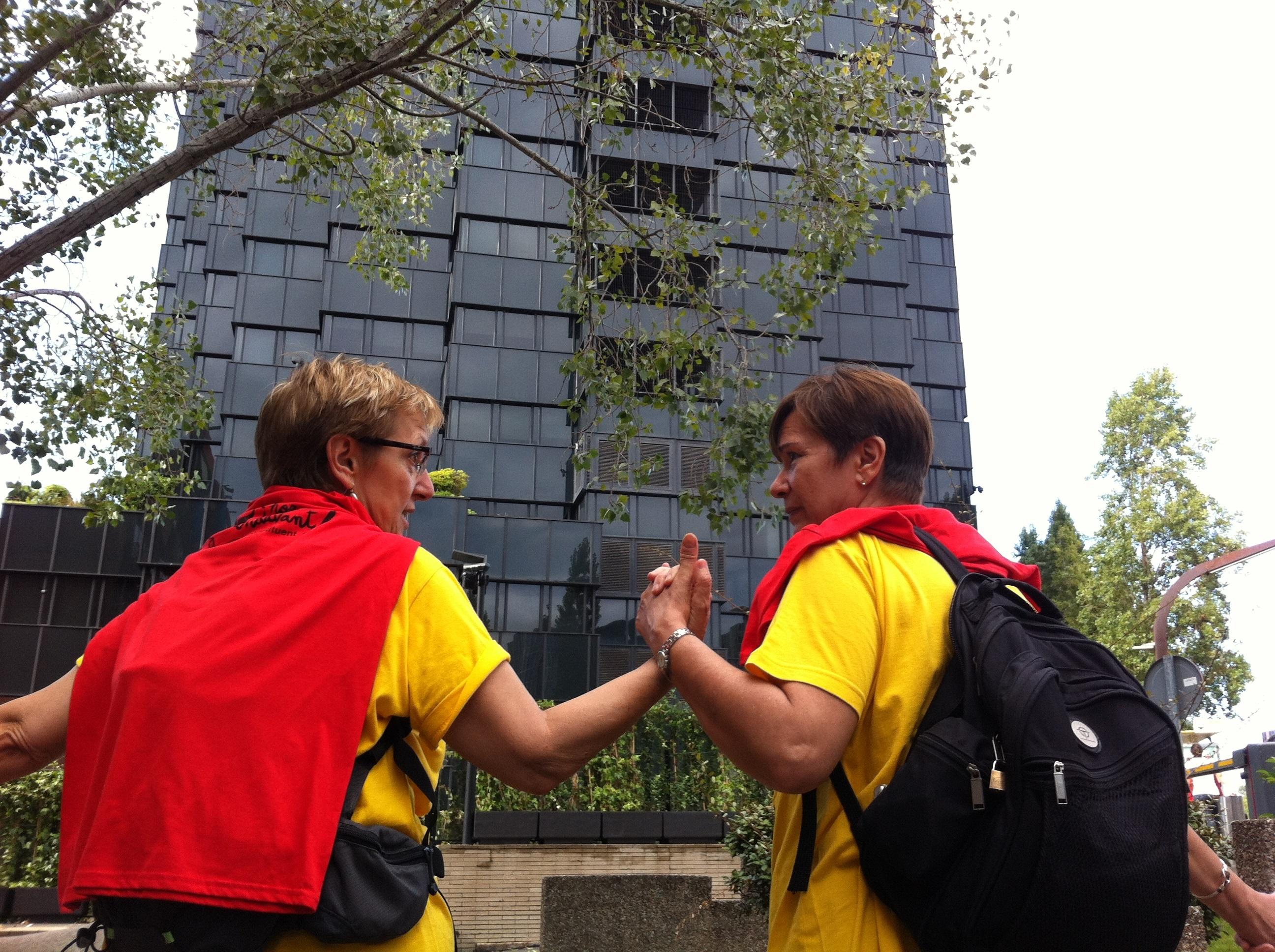 Cuatro cadenas humanas exigen en Barcelona una Cataluña también social