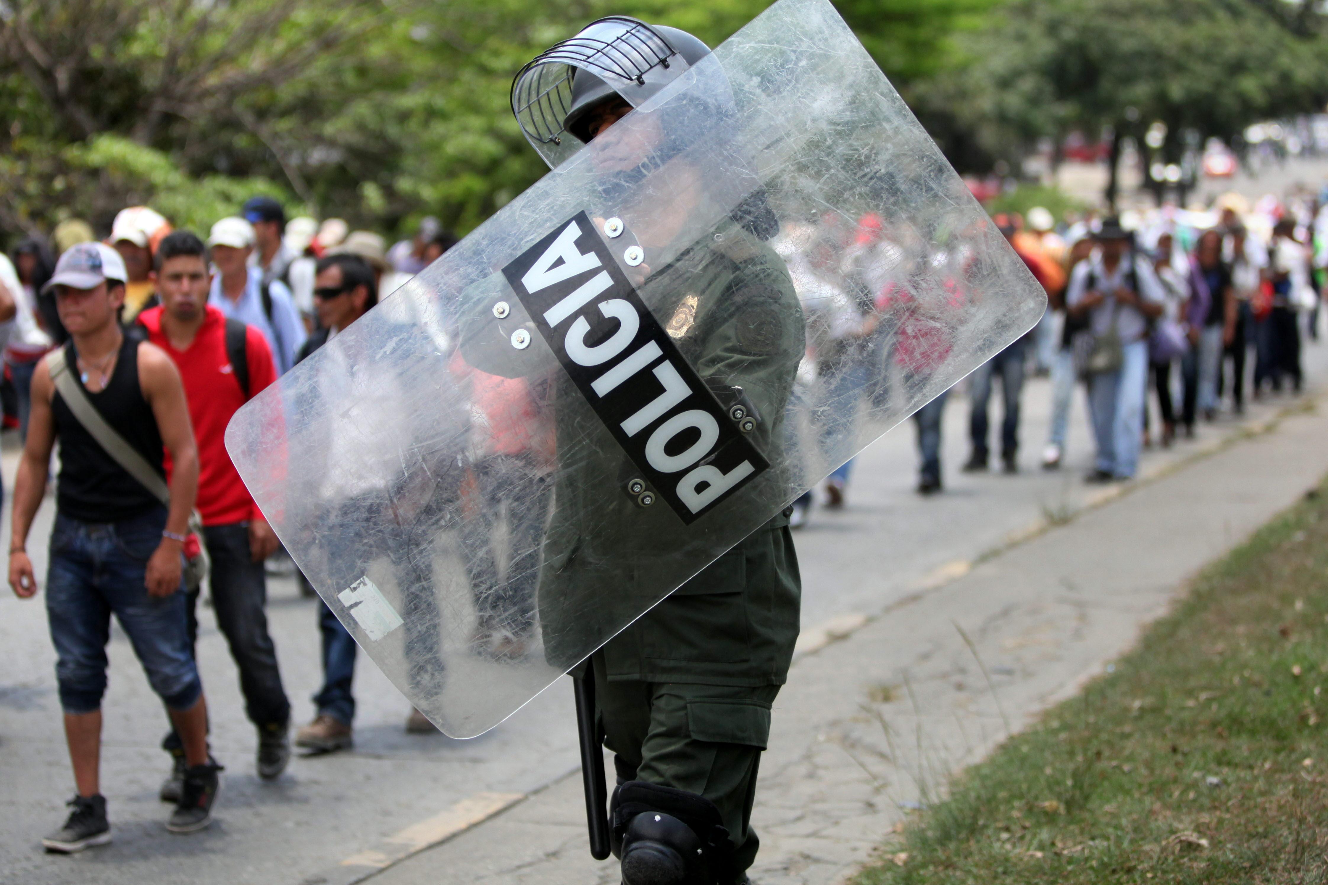 Colombia enfrenta el paro nacional con al menos 19 muertos y 800 heridos por la violencia policial en las protestas