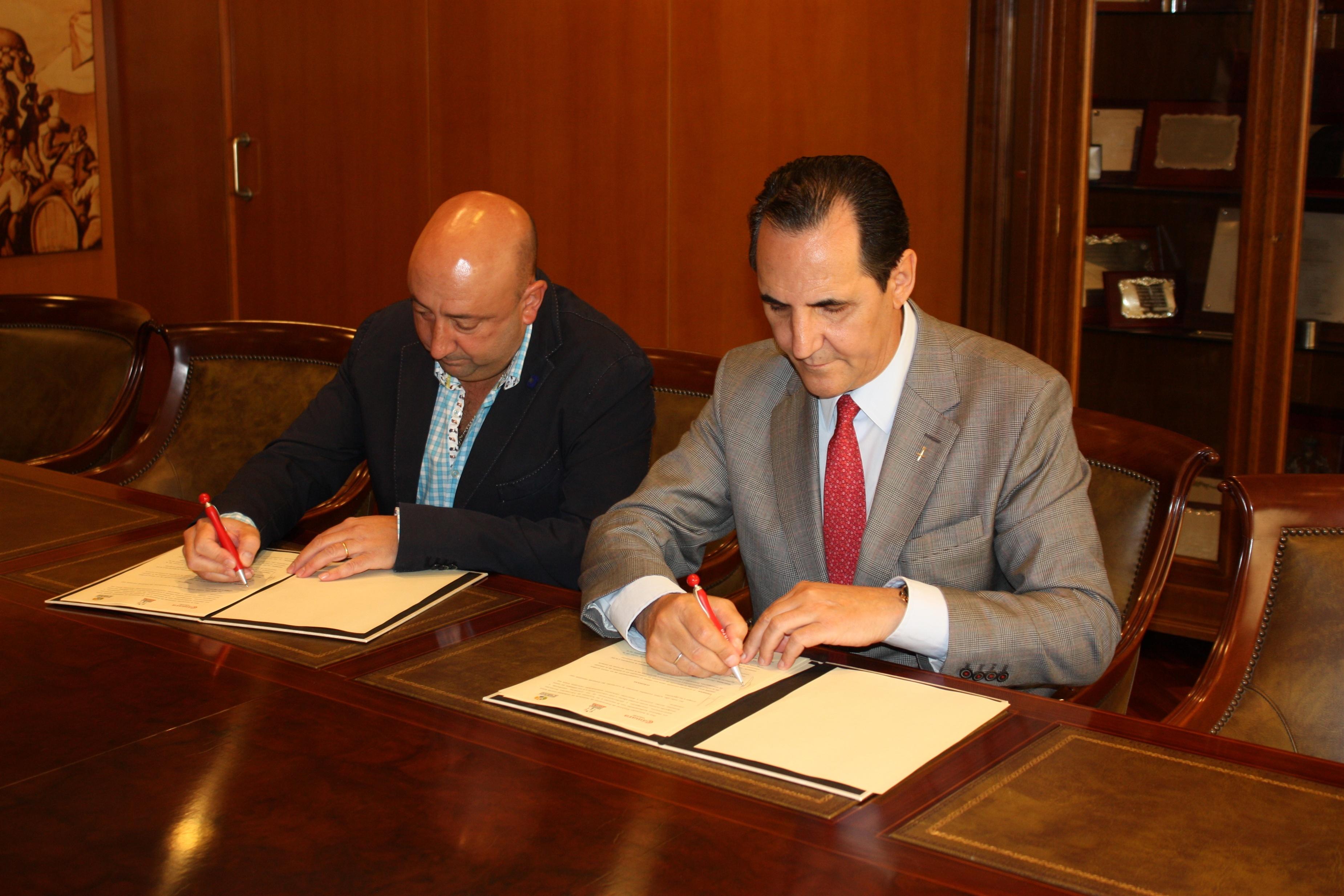 Cámara de Comercio de Valladolid y hosteleros firman un convenio para actividades en la Escuela de Cocina Fernando Pérez