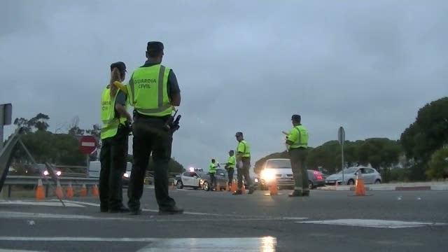 La DGT se propone ir eliminando el pago en metálico de multas en carretera