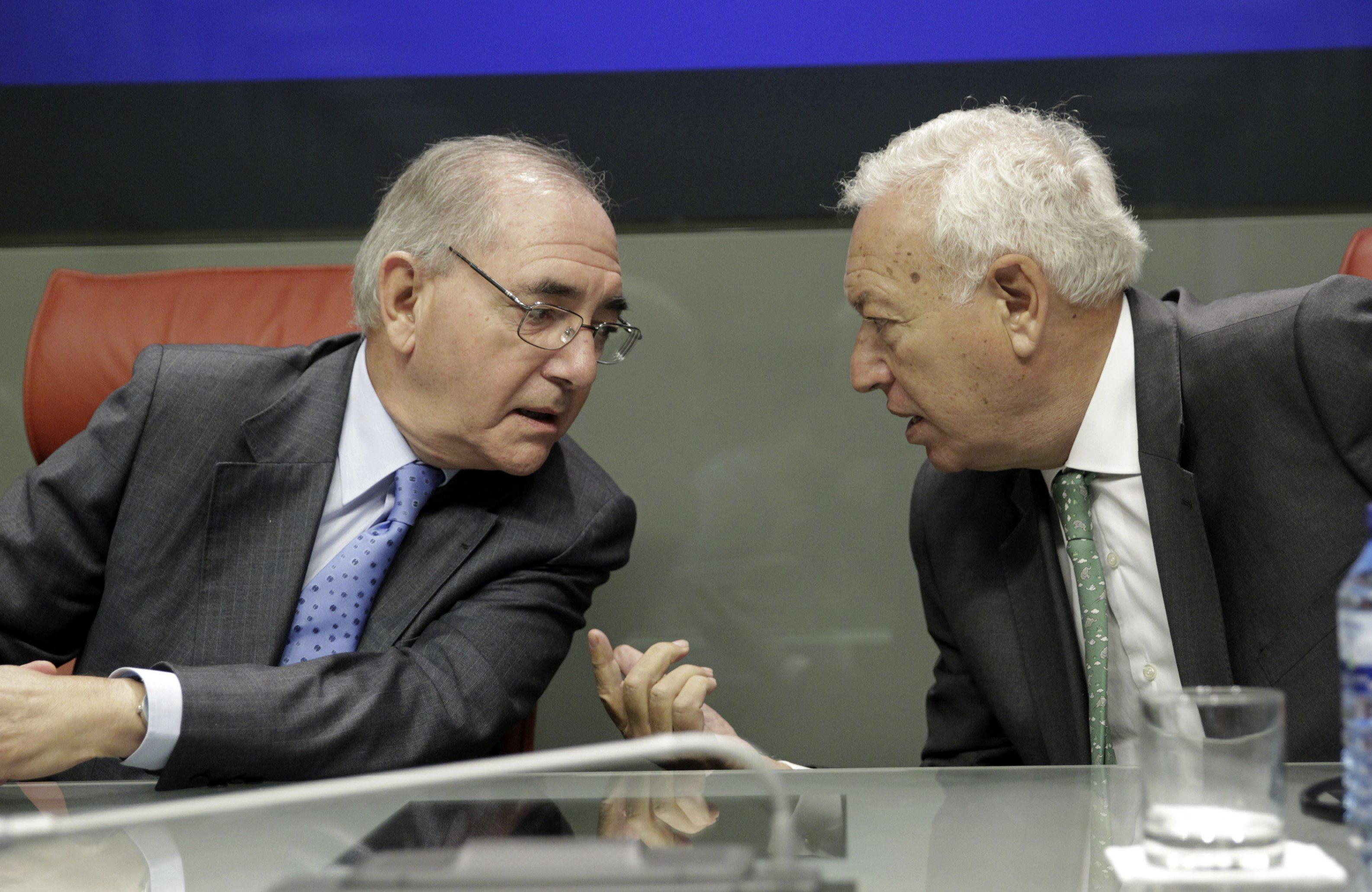 El PP defiende a Margallo en el PE de las críticas de los eurodiputados británicos